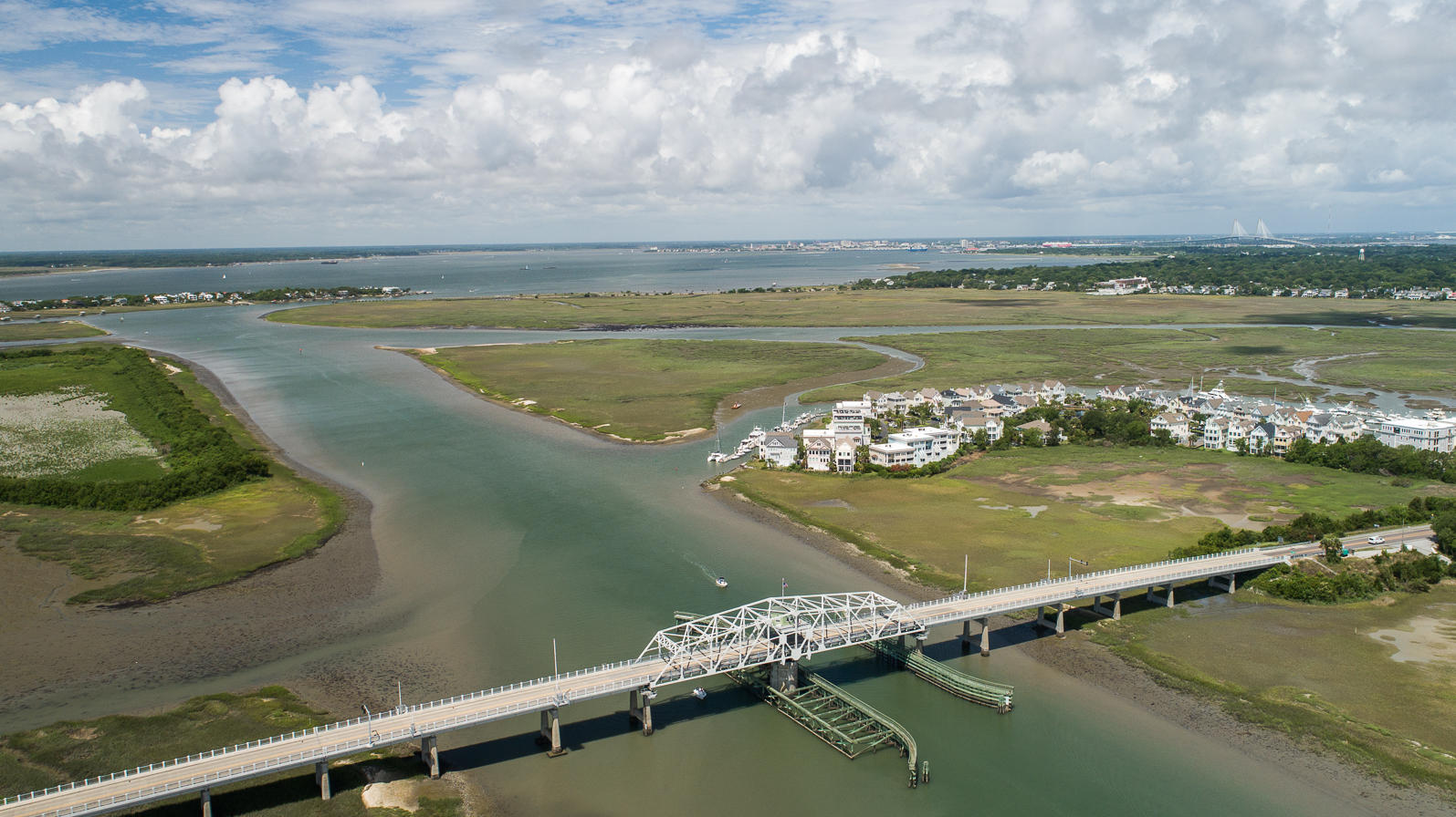 Tolers Cove Homes For Sale - B-4 & B-5 Tolers Cove Marina 70ft + Home, Mount Pleasant, SC - 54
