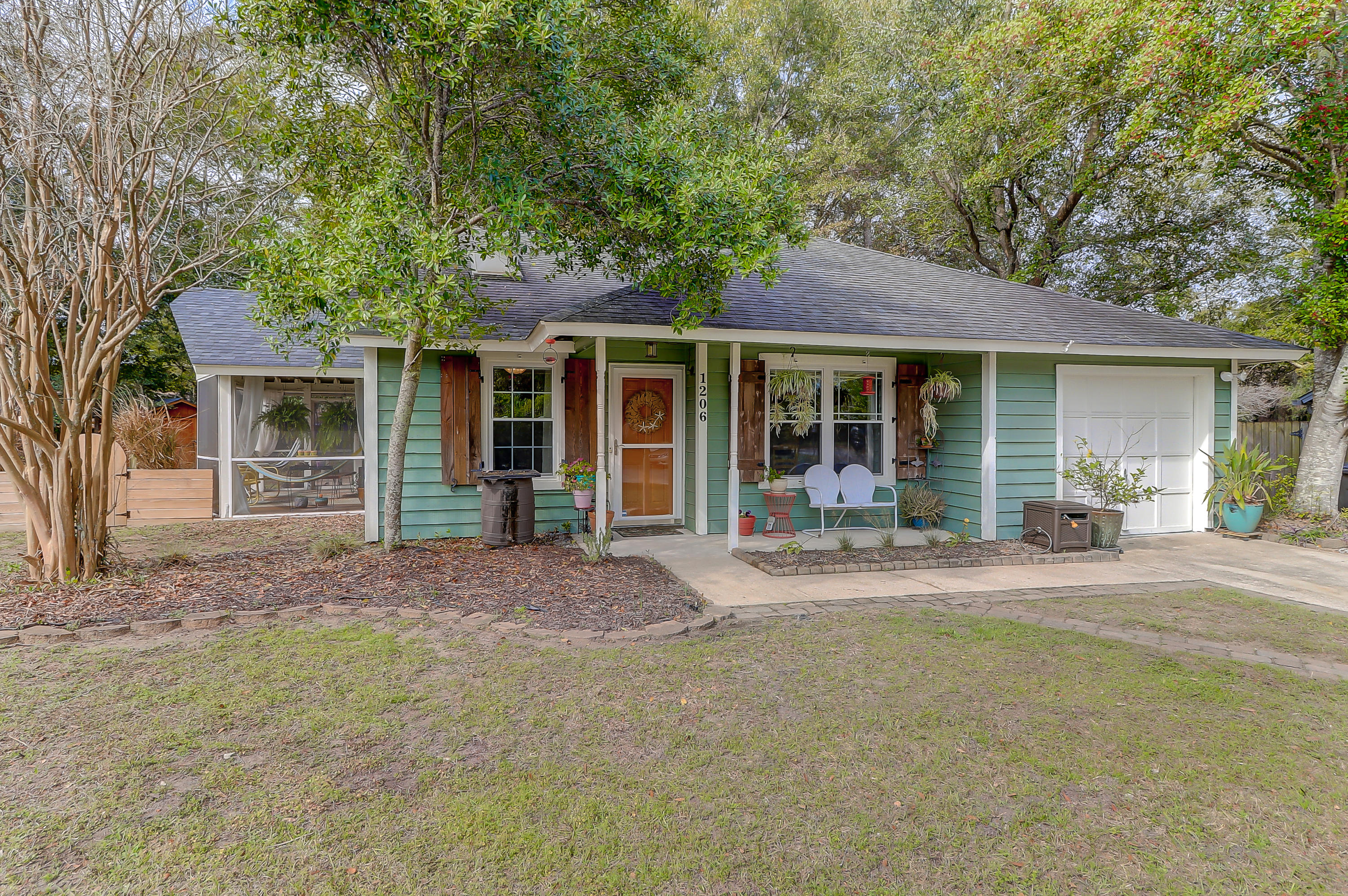 1206 Lake Mallard Boulevard Mount Pleasant, SC 29464
