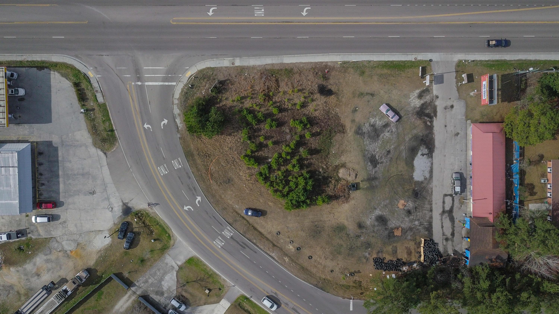 1076 S Live Oak Drive Moncks Corner, SC 29461