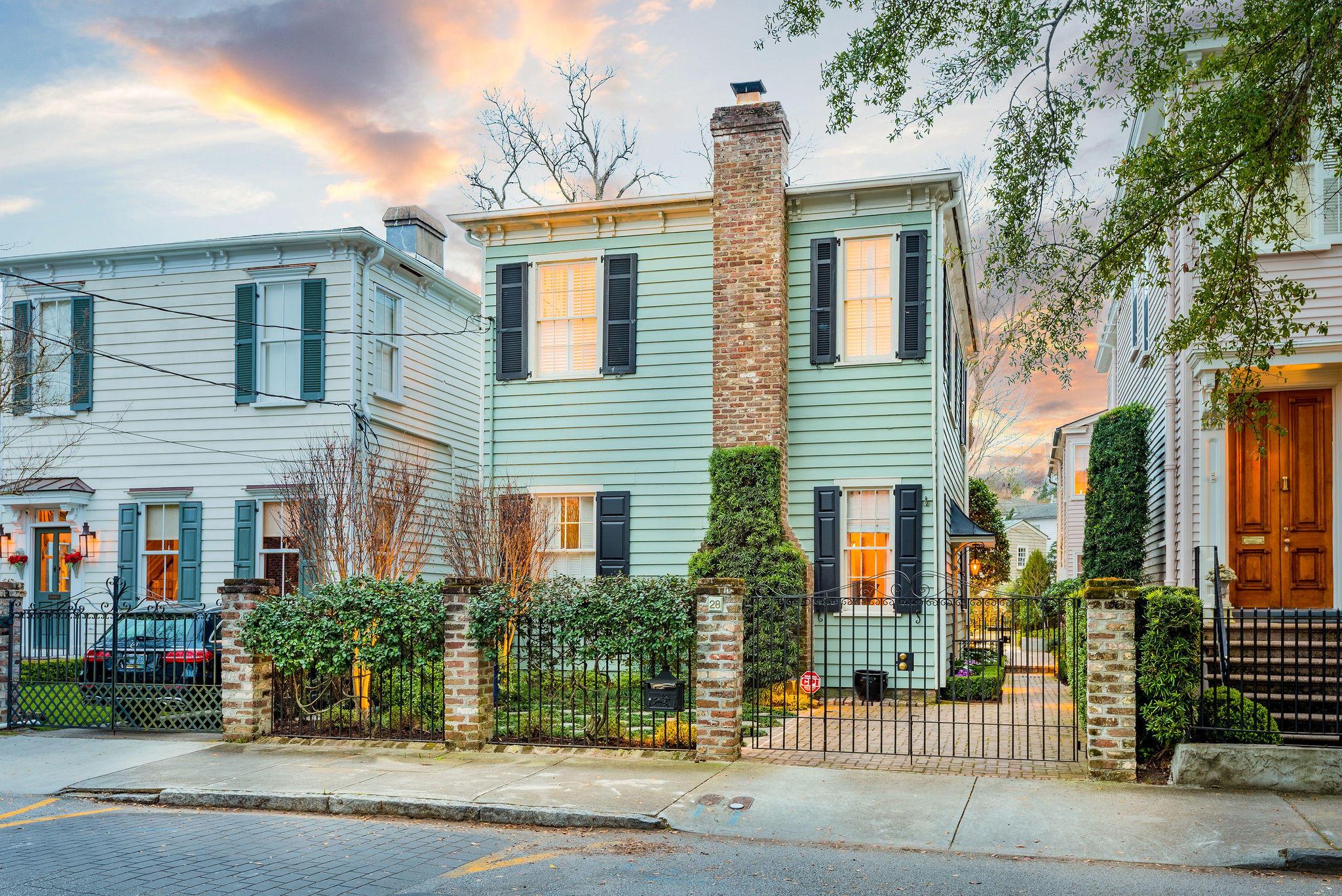 28 New Street Charleston, SC 29401