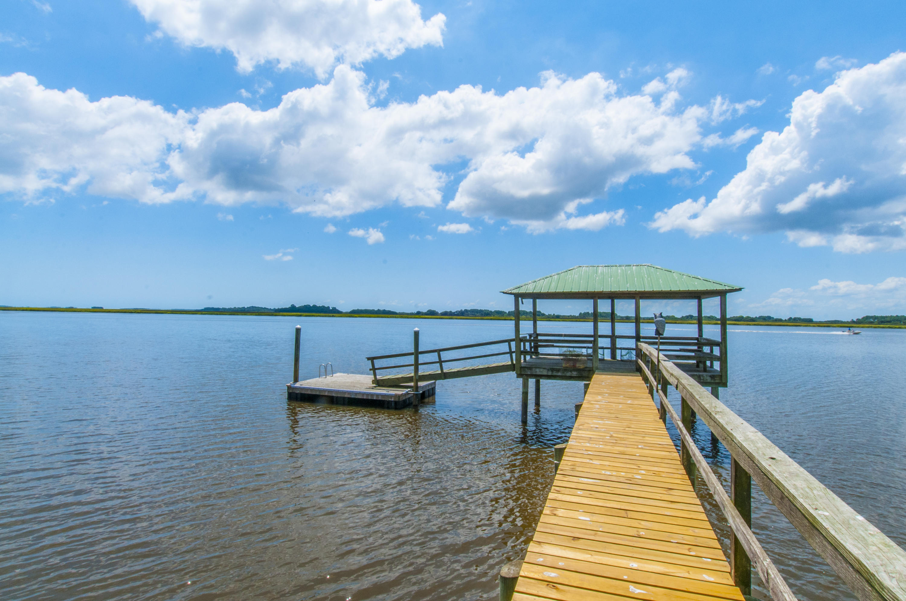 549 Island Flats Lane Green Pond, SC 29446