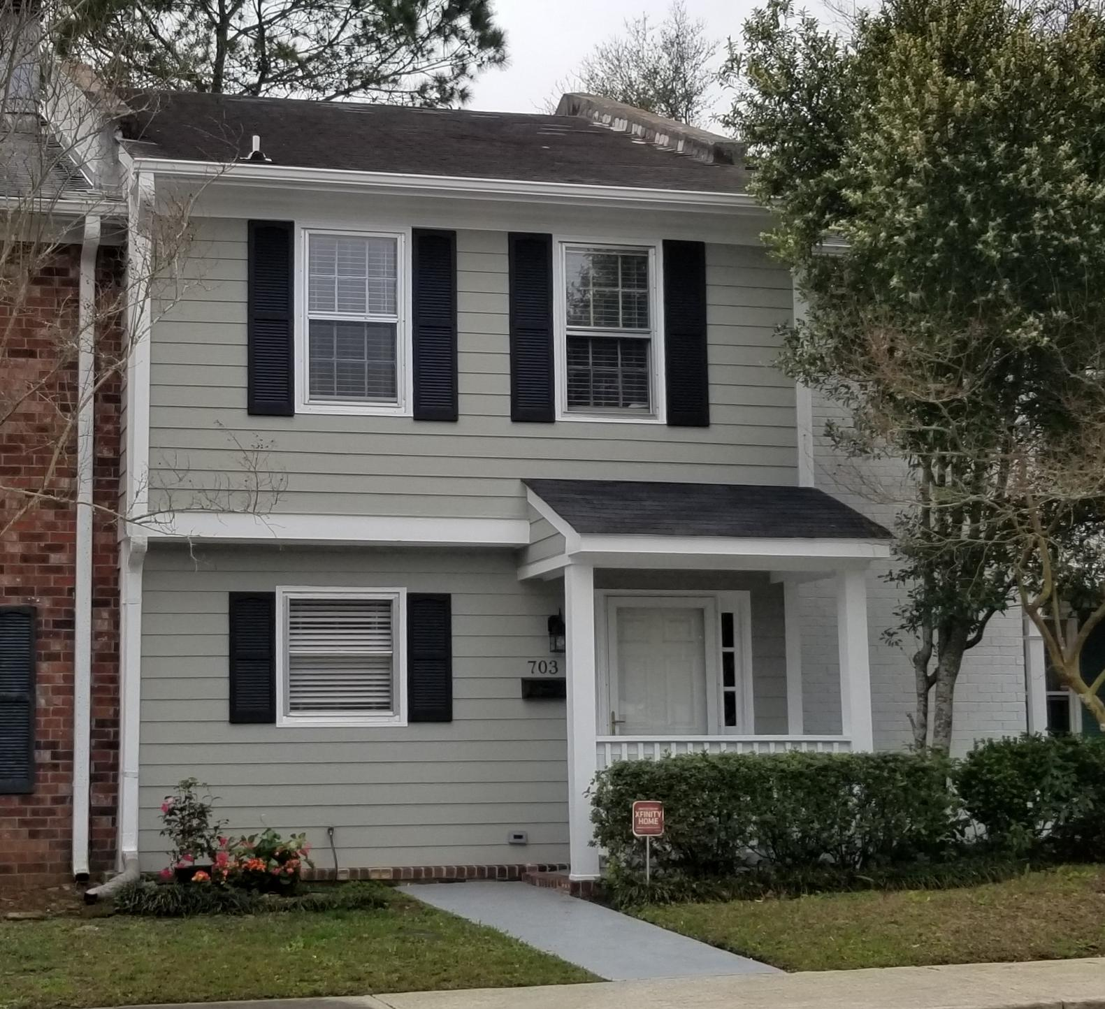 703 Bay Tree Circle Mount Pleasant, SC 29464