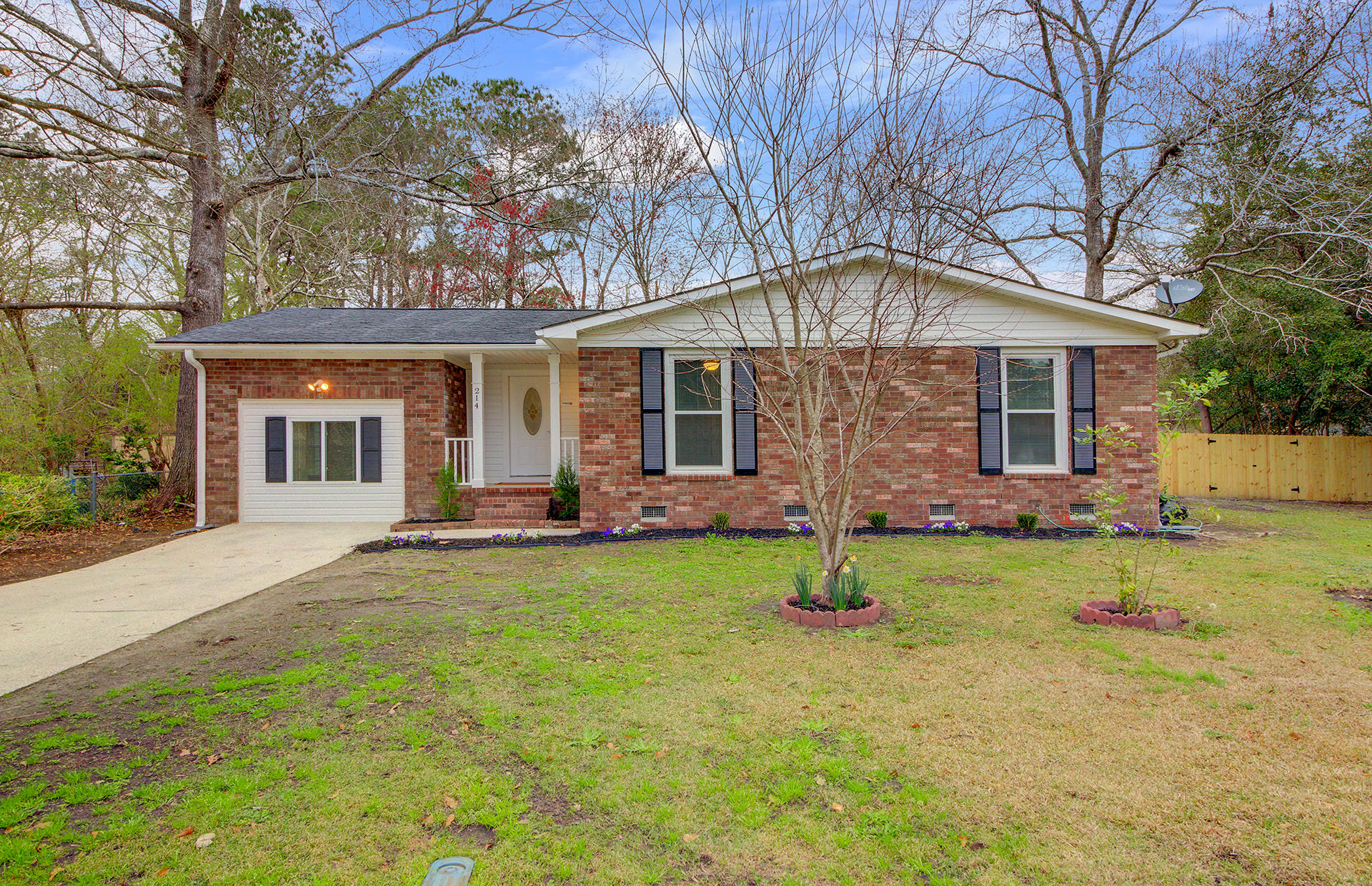 214 Terry Avenue Summerville, SC 29485