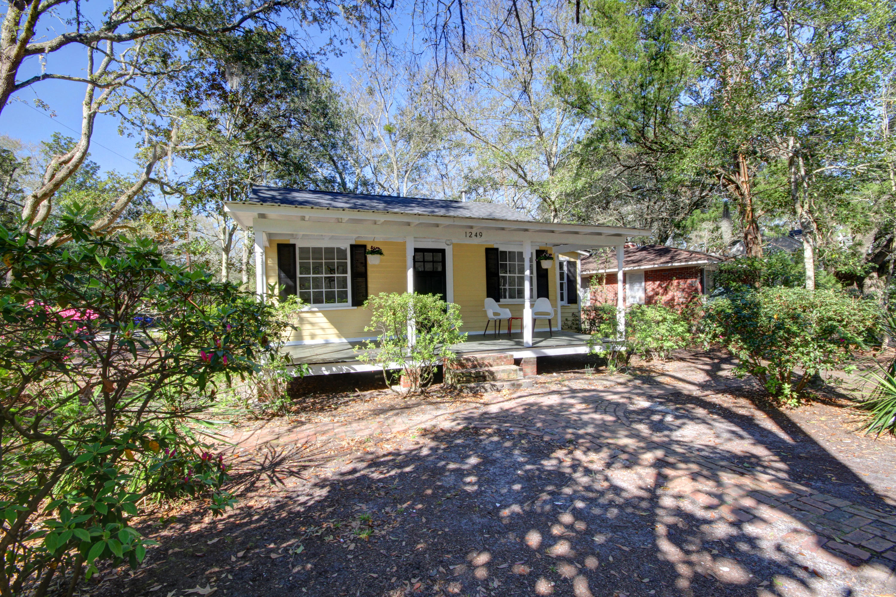1249 Wisteria Road Charleston, SC 29407