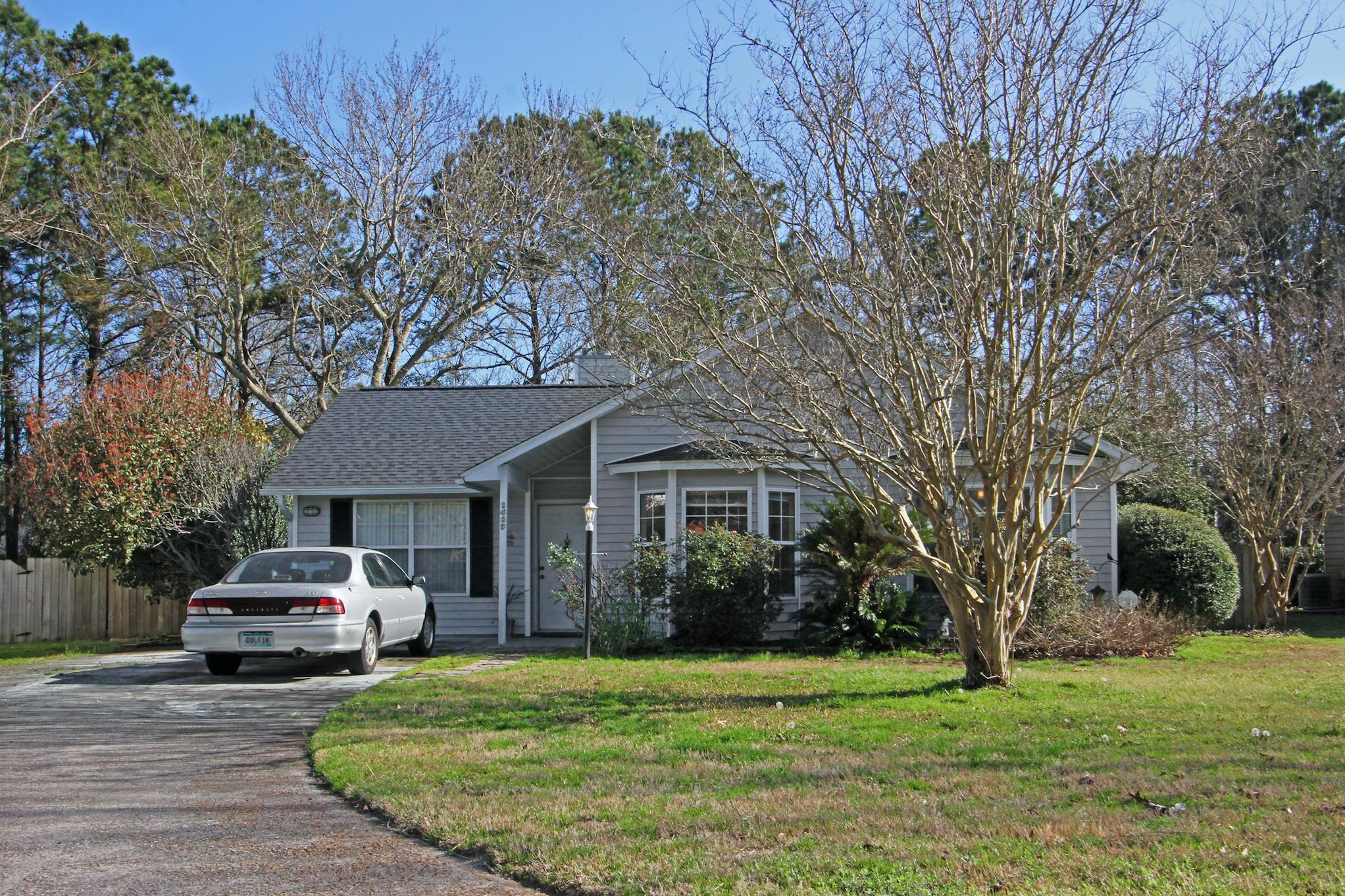 1469 E Crossing Lane Mount Pleasant, SC 29466
