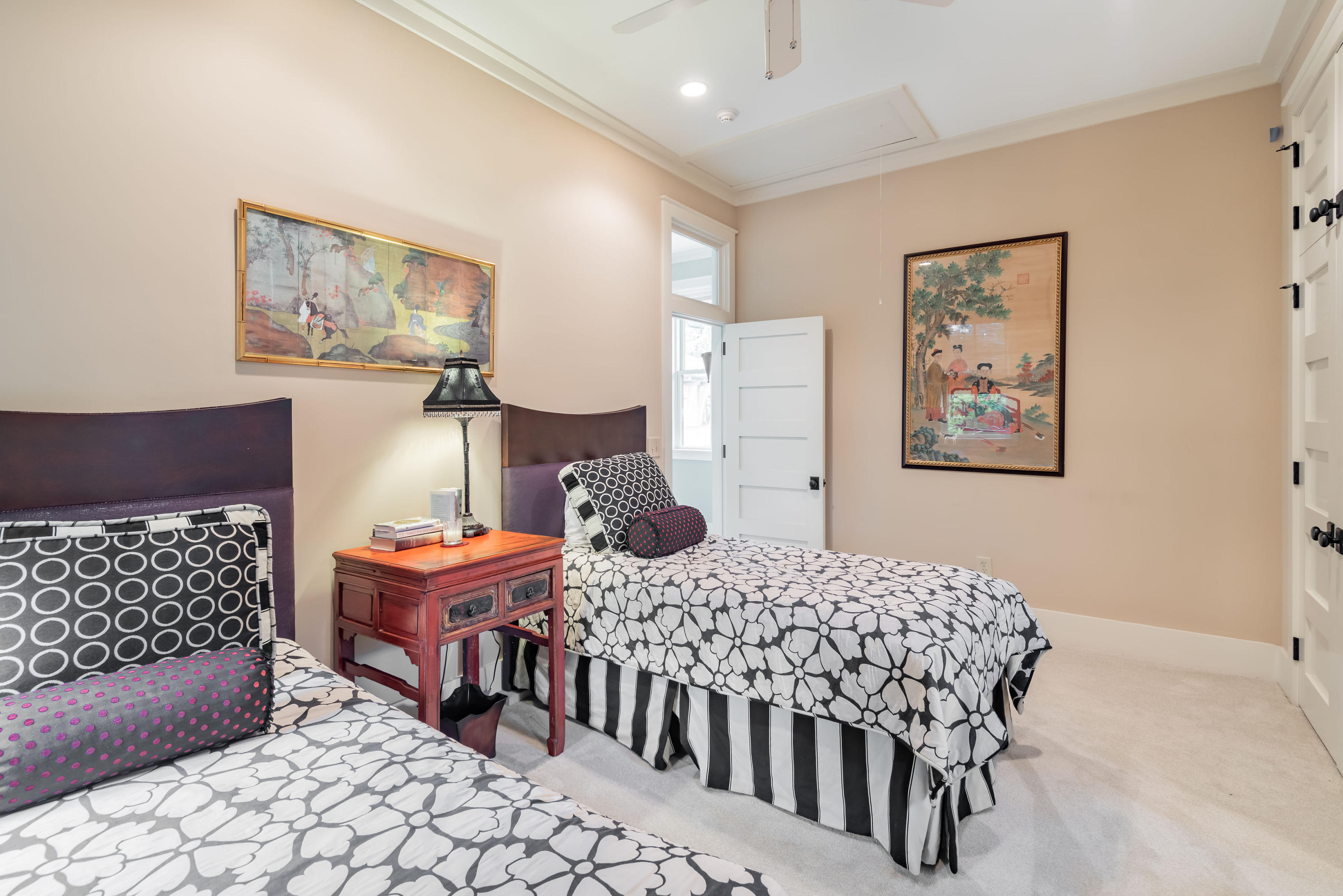 672 Ellis Oak Drive Charleston, SC 29412