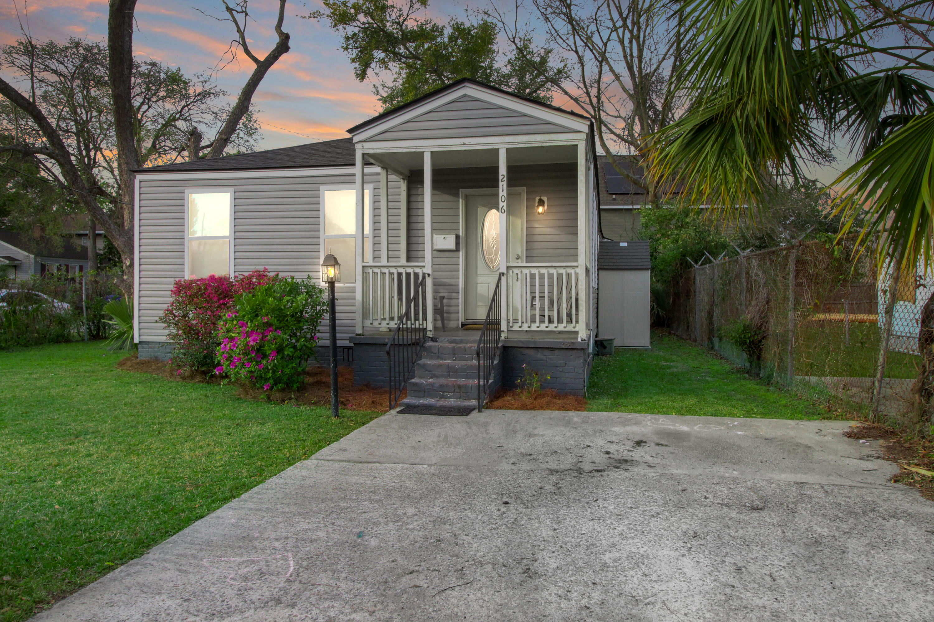 2106 Courtland Avenue Charleston, SC 29403