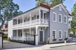 162 Tradd Street, Charleston, SC 29401