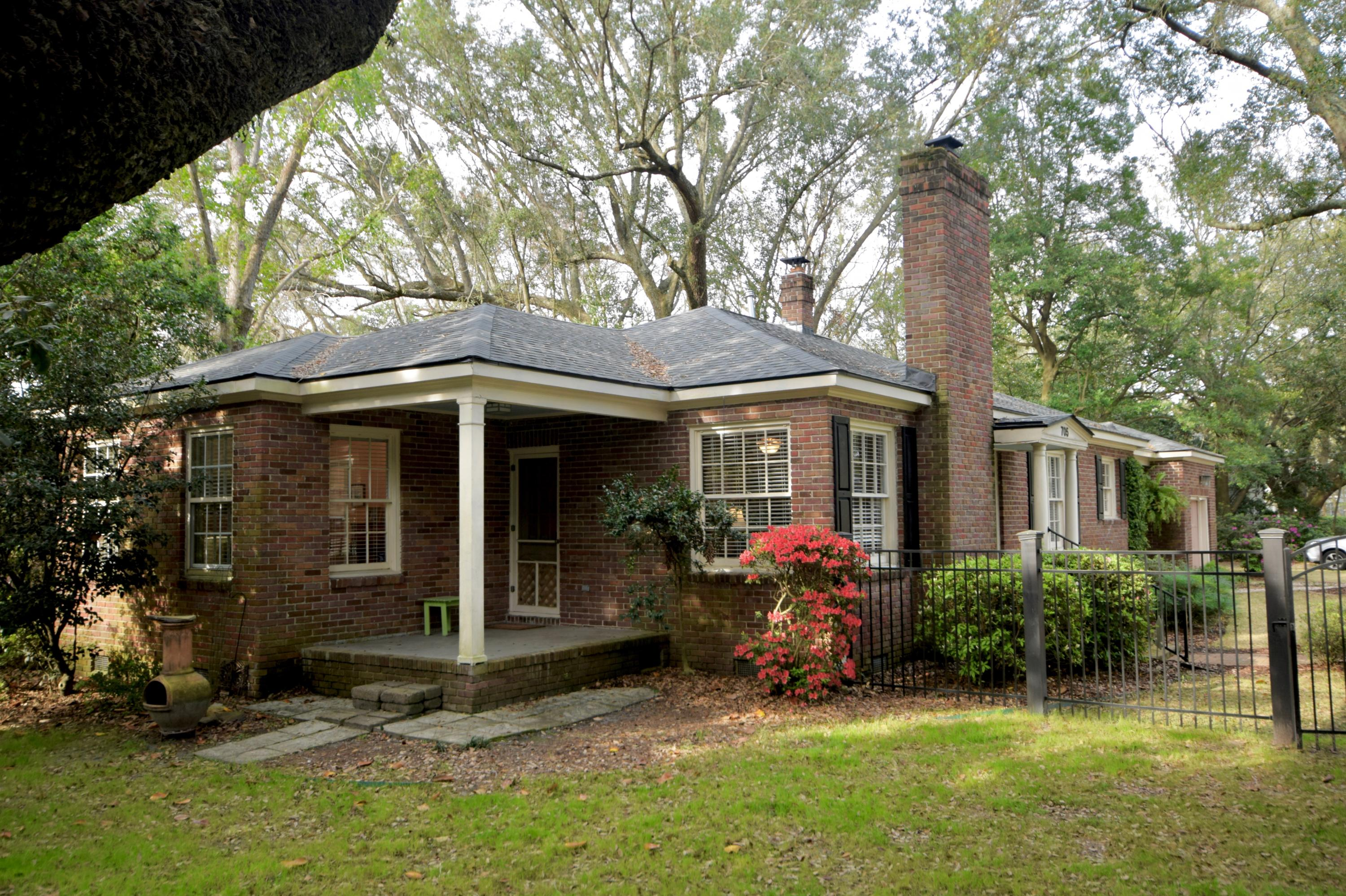 705 W Harrison Road Charleston, SC 29407