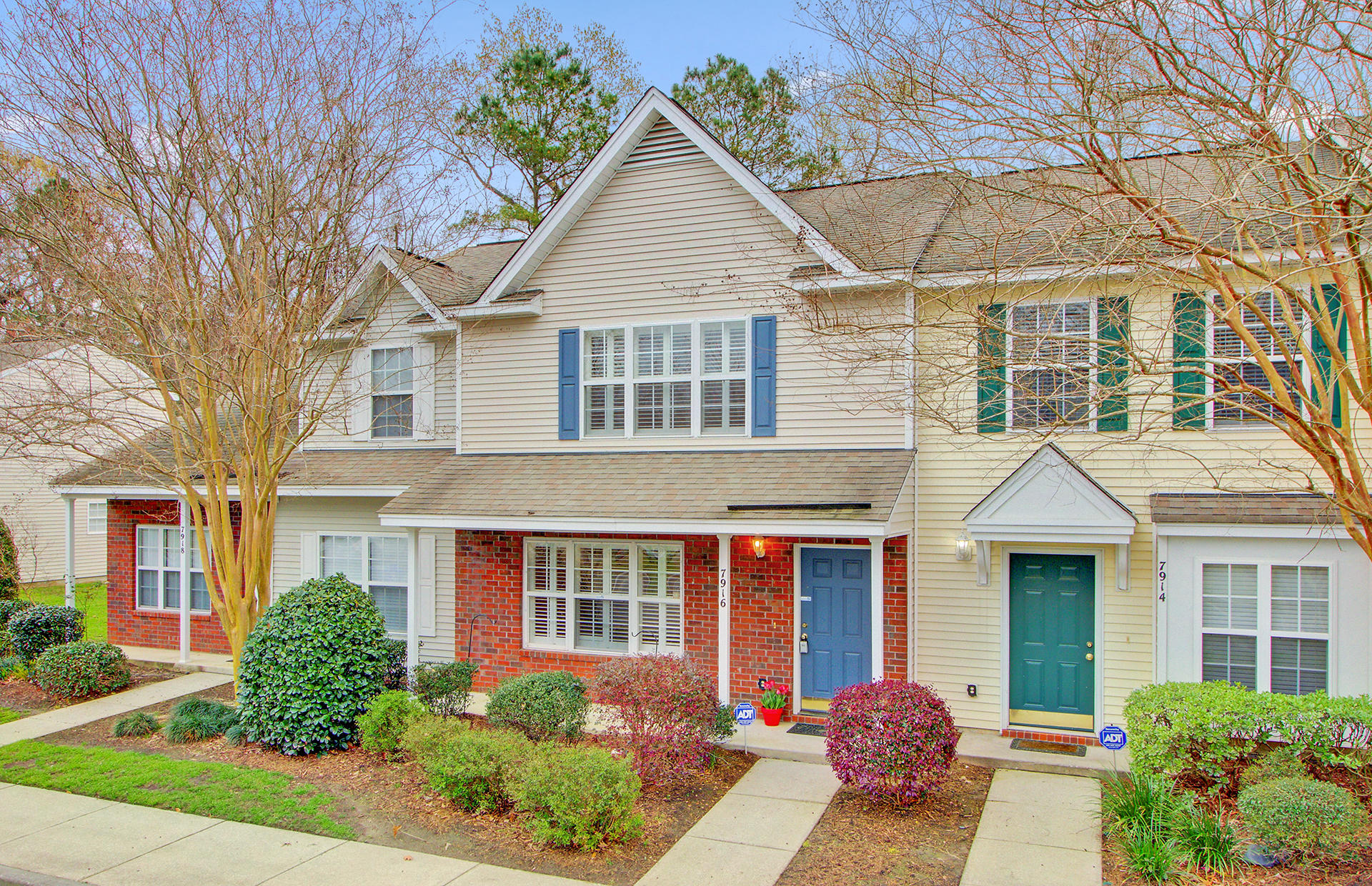 7916 Shadow Oak Drive North Charleston, SC 29406