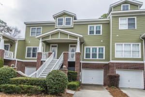 Welcome home to 92 Salty Tide Cove in Etiwan Pointe!