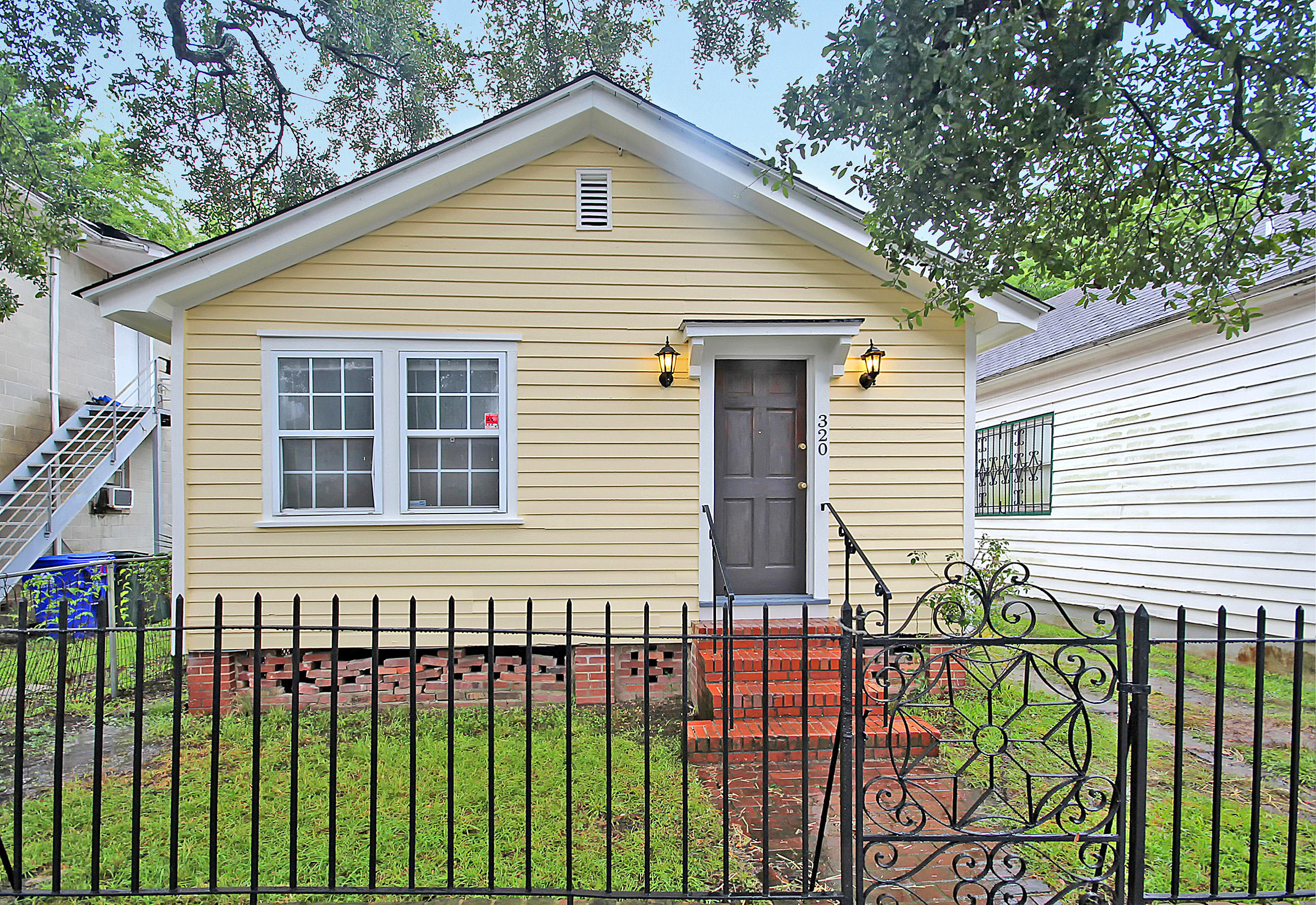 320 Ashley Avenue Charleston, SC 29403