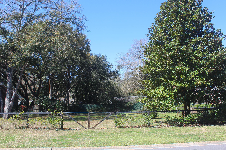 820 N Shem Drive Mount Pleasant, SC 29464