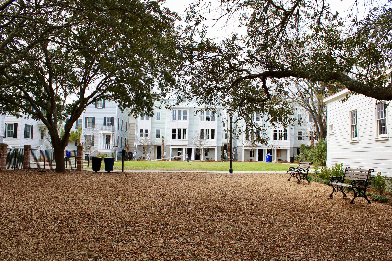 25 Dereef Court Charleston, SC 29403