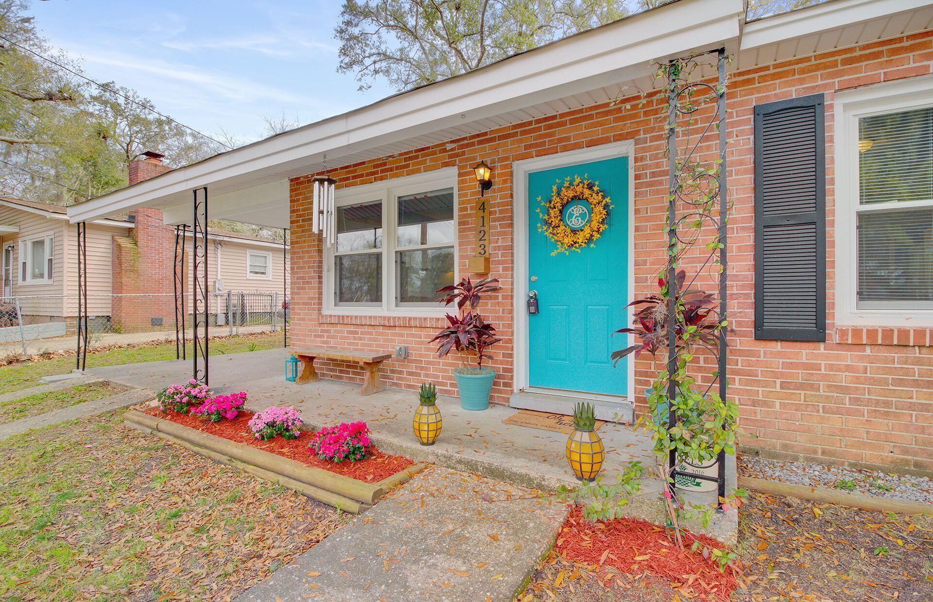 4123 Oakridge Drive North Charleston, SC 29418