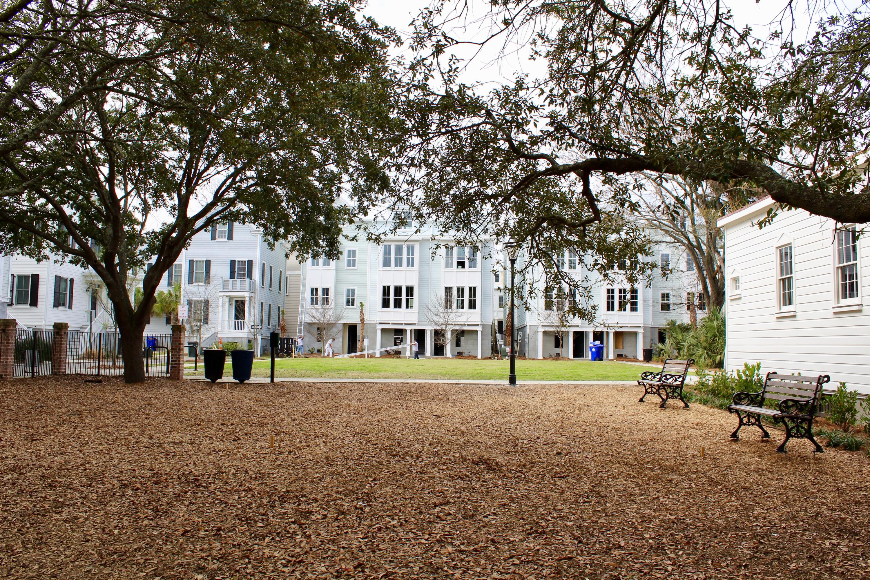 21 Dereef Court Charleston, SC 29403