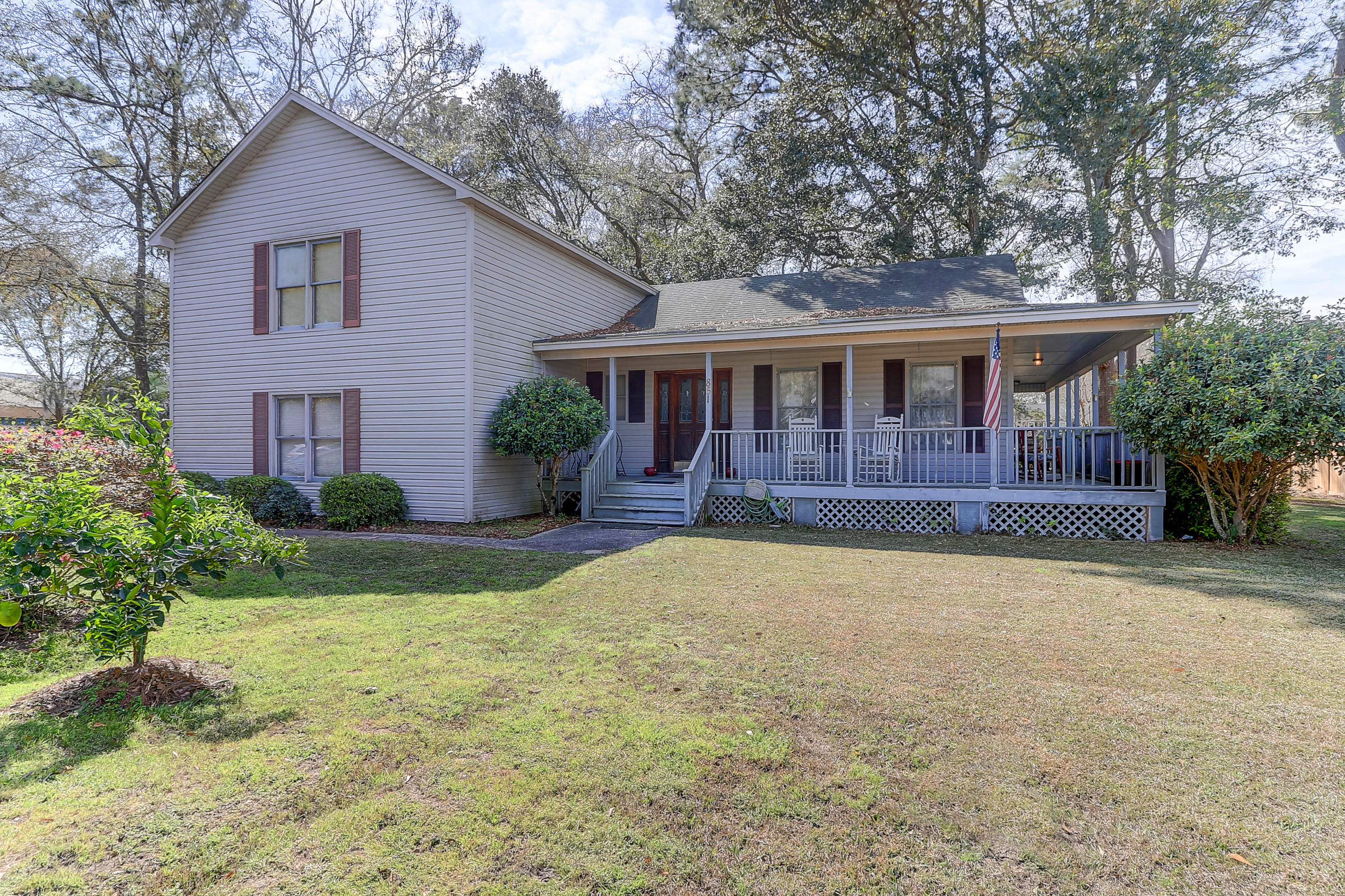 851 Pine Shadow Lane Mount Pleasant, SC 29464