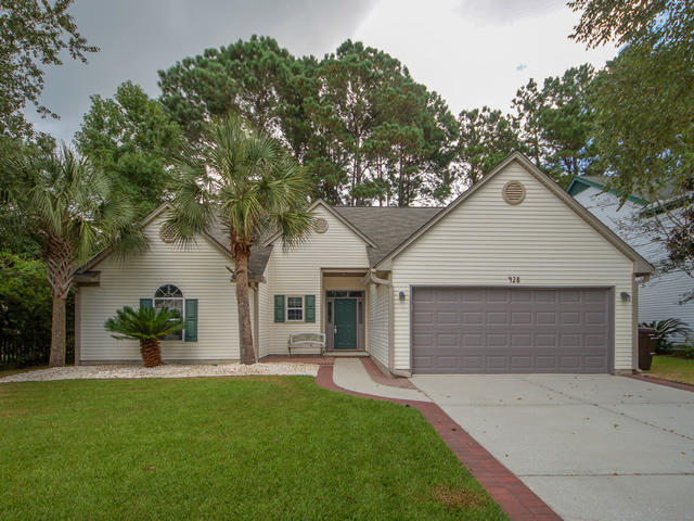 428 Jardinere Walk Mount Pleasant, SC 29464