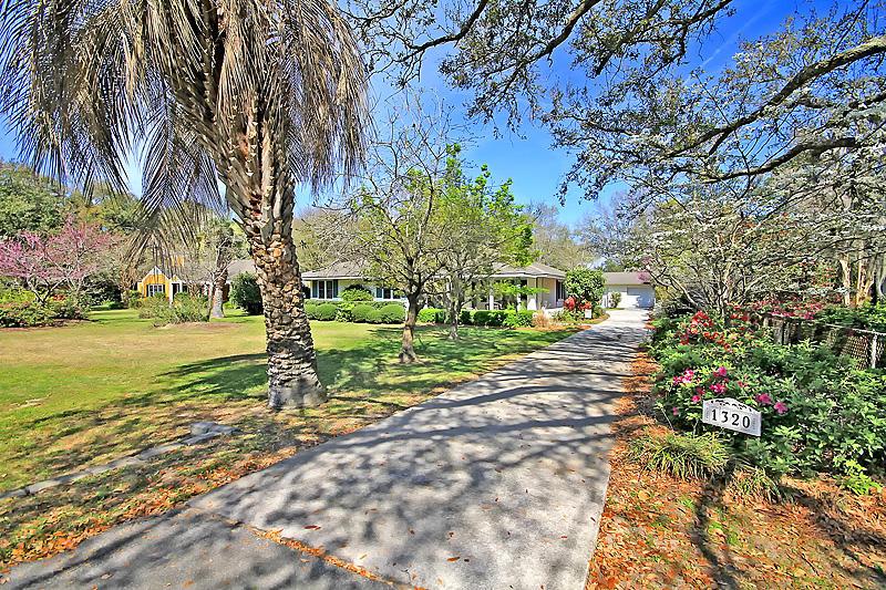 1320 S Edgewater Drive Charleston, SC 29407