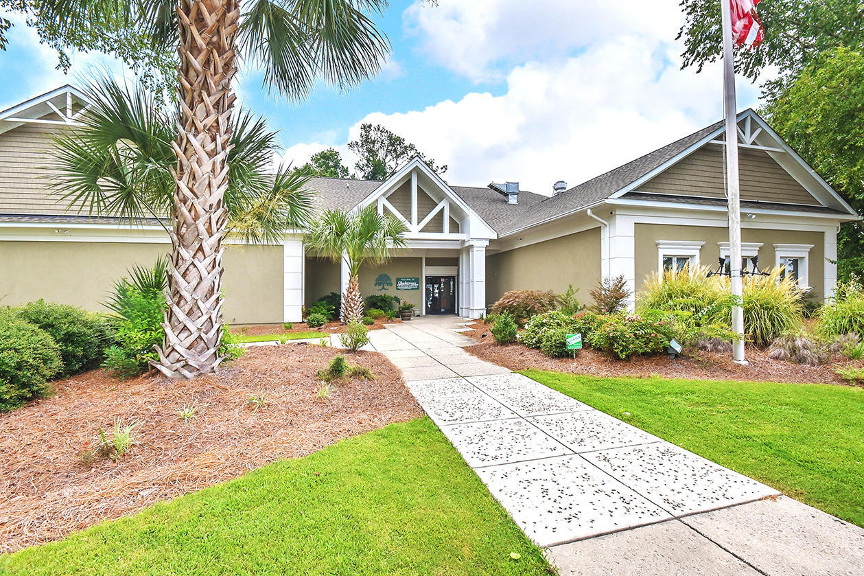 32 Hunters Forest Drive Charleston, SC 29414