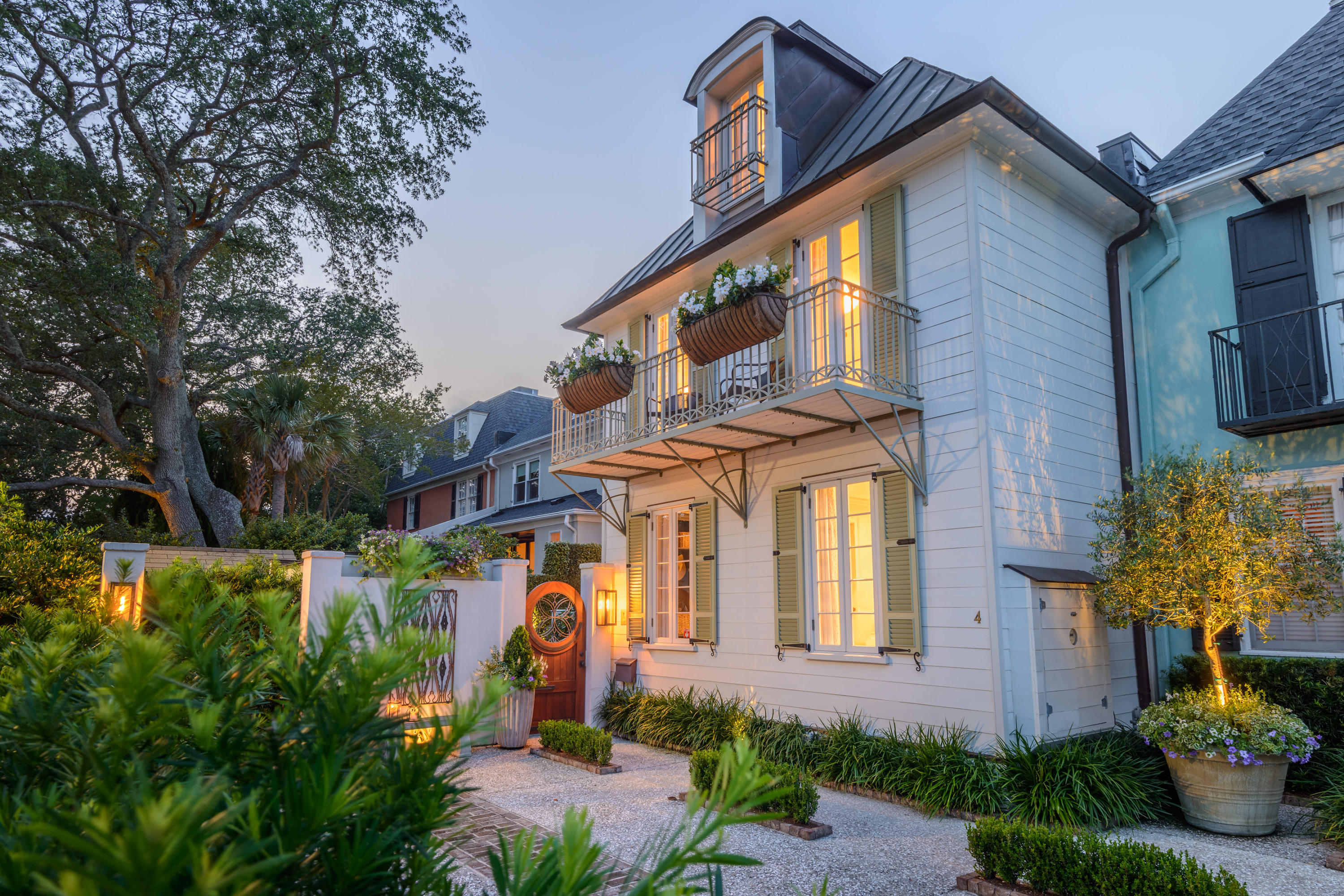 4 Battery Place Charleston, SC 29401