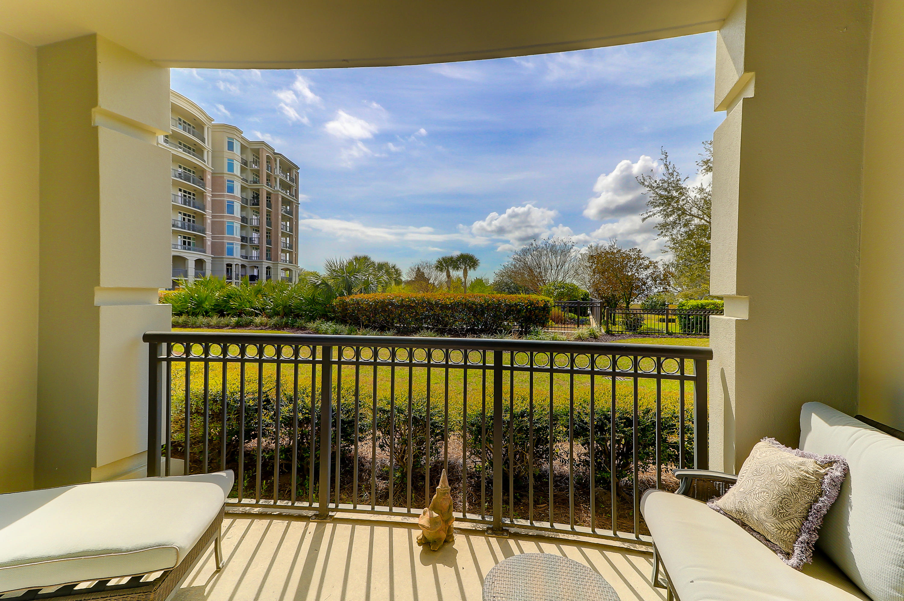 Renaissance On Chas Harbor Homes For Sale - 113 Plaza, Mount Pleasant, SC - 4
