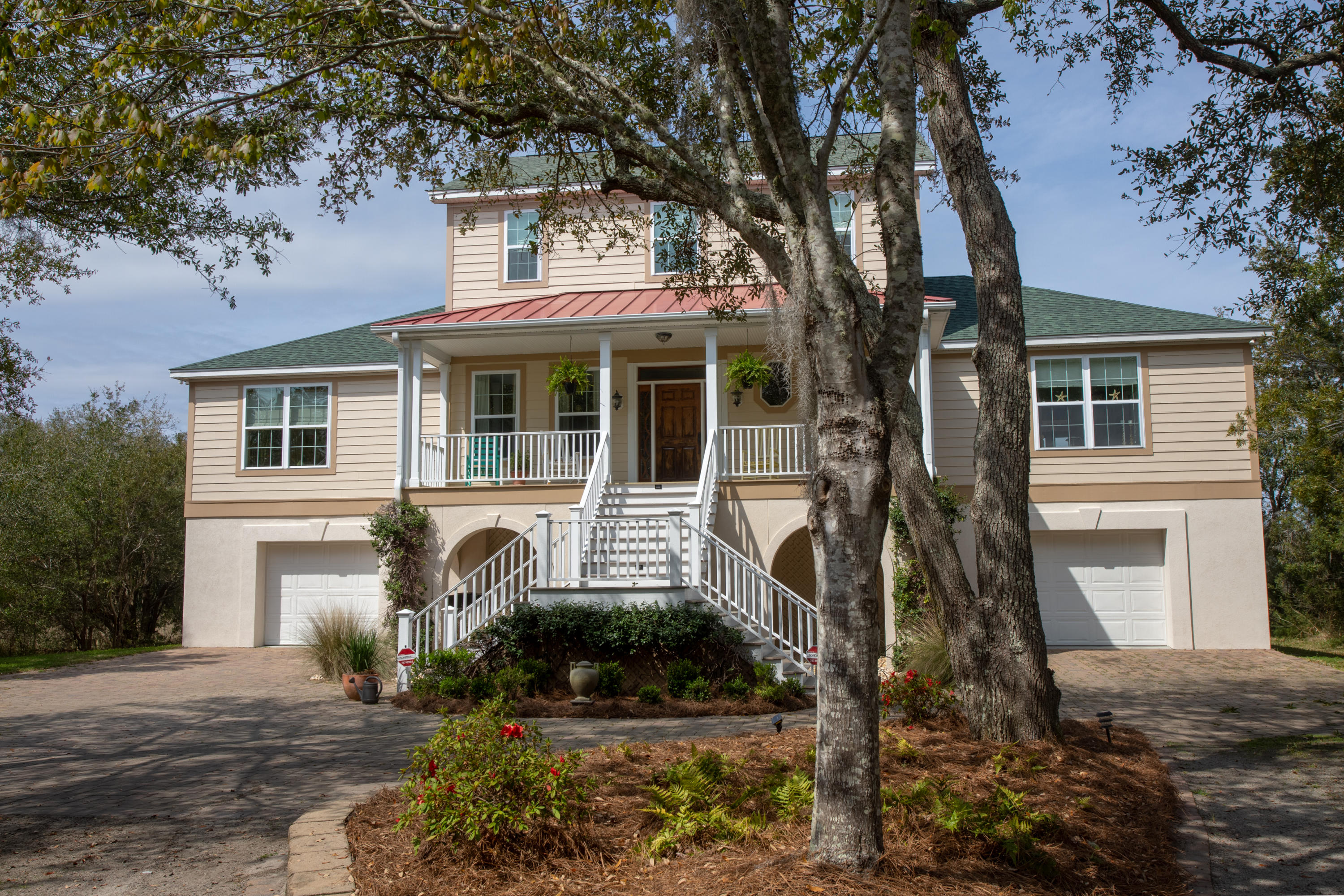 100 Oak Turn Road Charleston, SC 29412