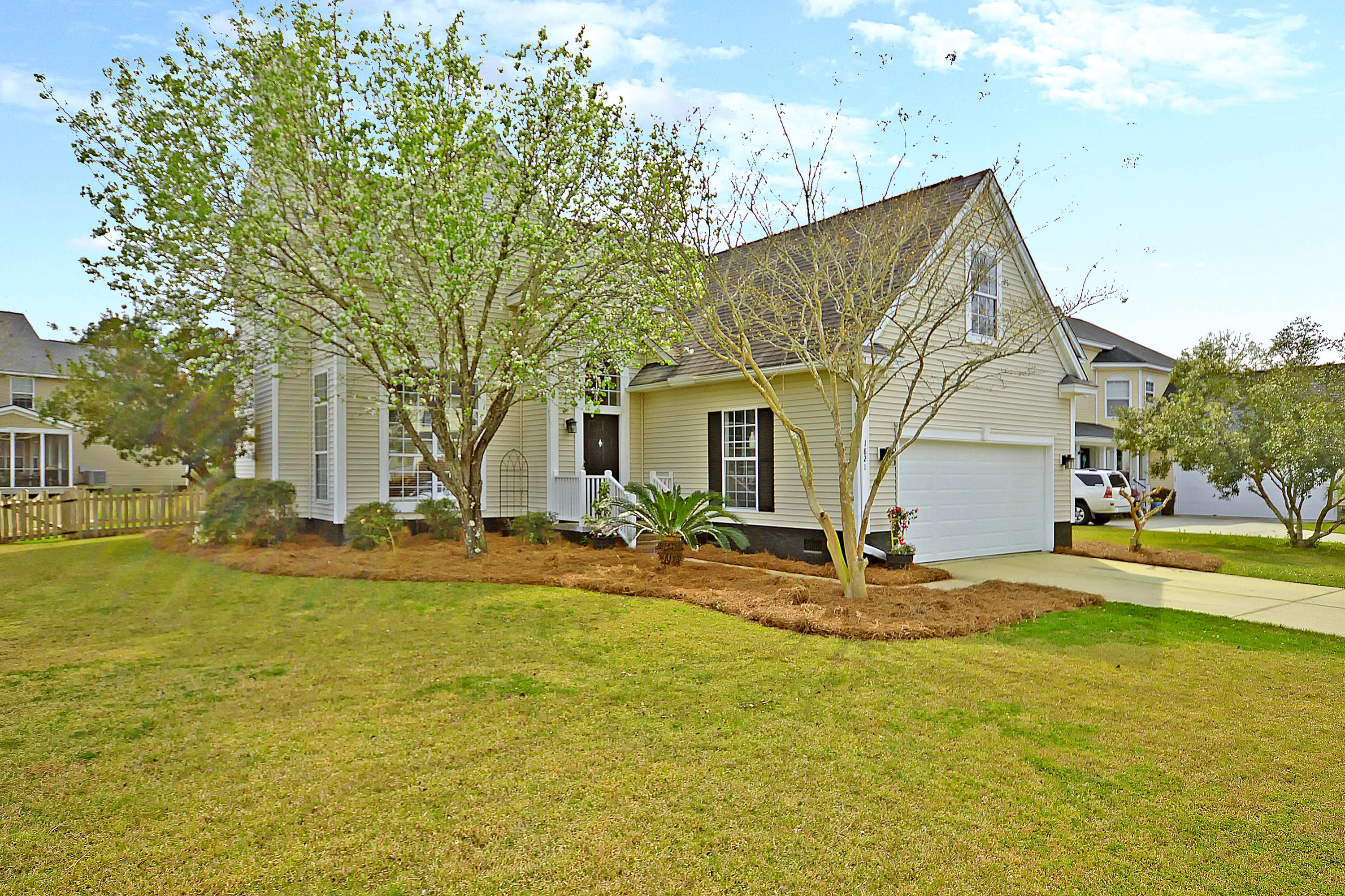 1821 N Smokerise Way Mount Pleasant, SC 29466