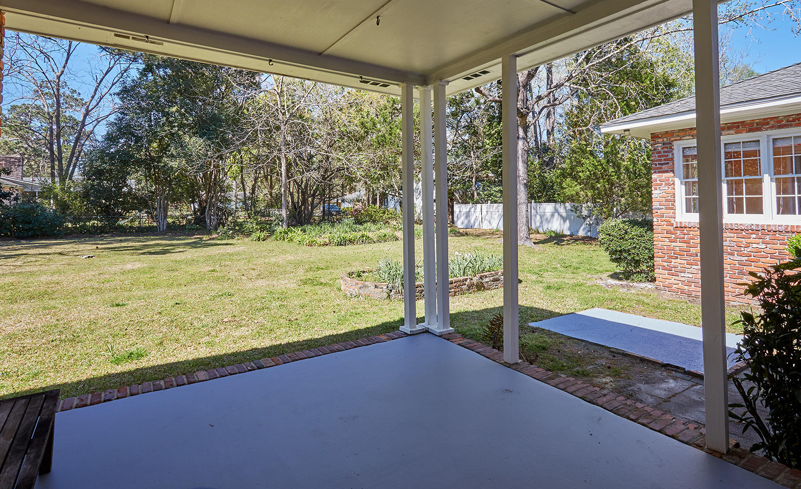 27 Farmfield Avenue Charleston, SC 29407