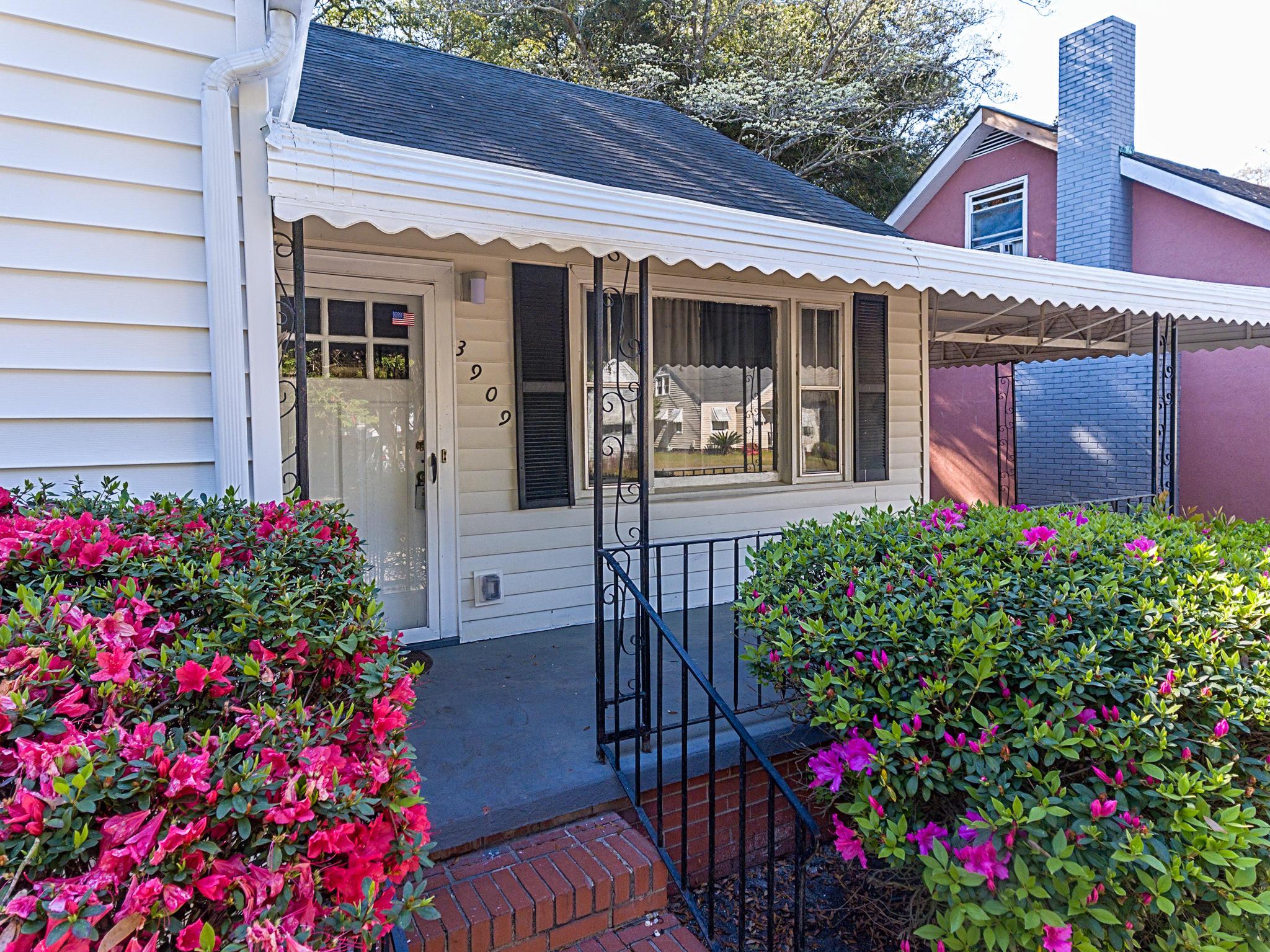 3909 Hottinger Avenue North Charleston, SC 29405