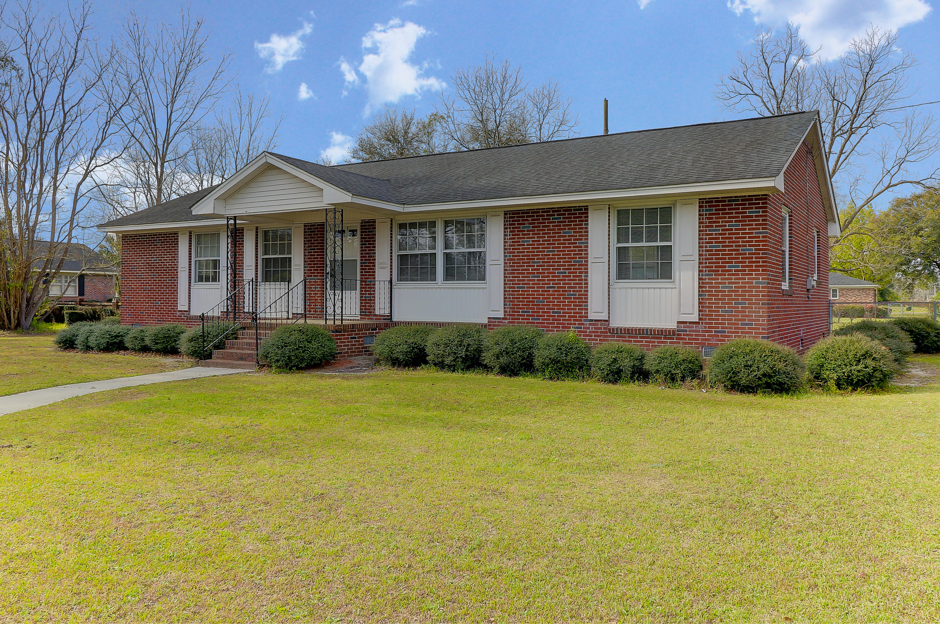 6404 Charleston Highway Bowman, SC 29018