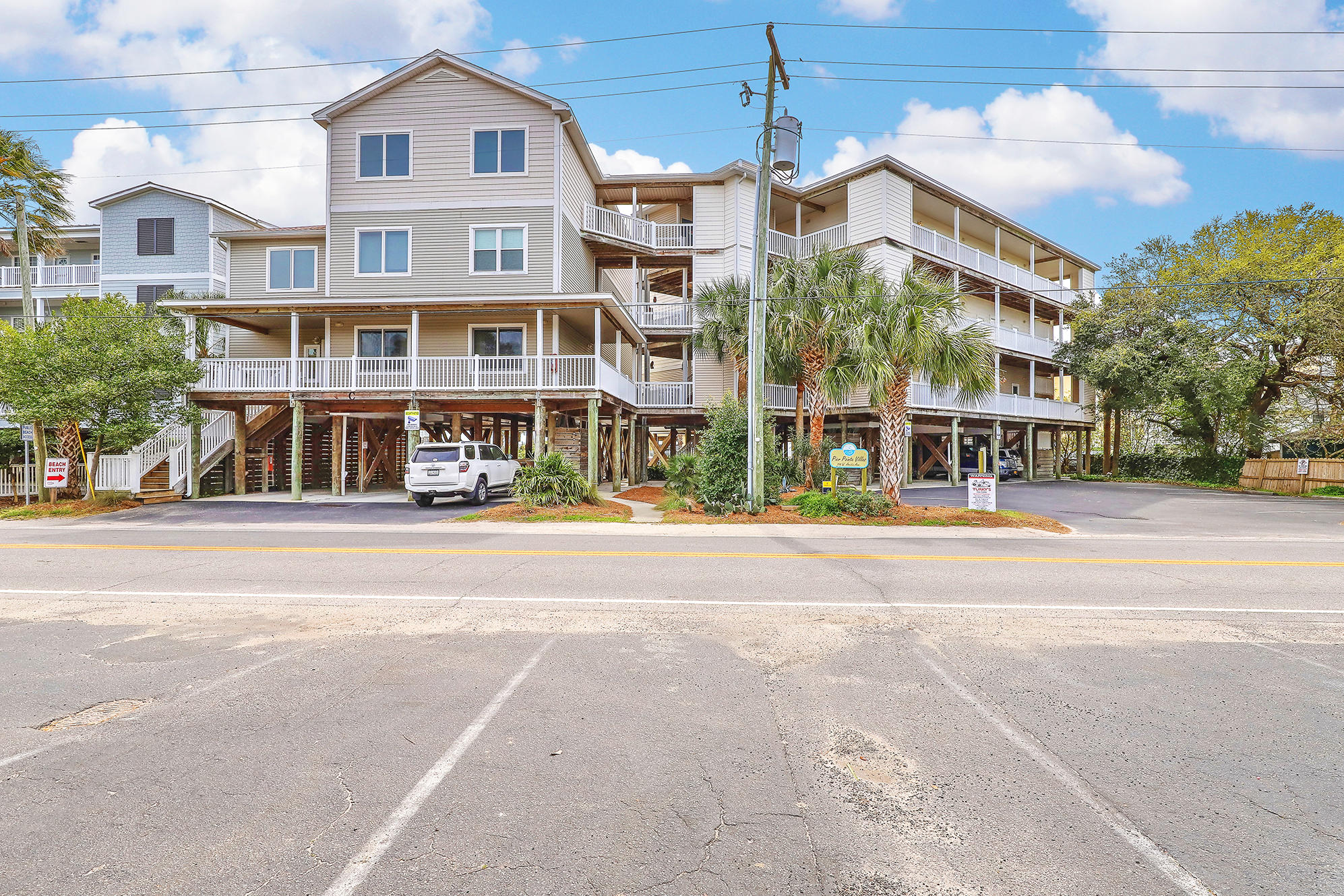 114 E Arctic Avenue Folly Beach, SC 29439