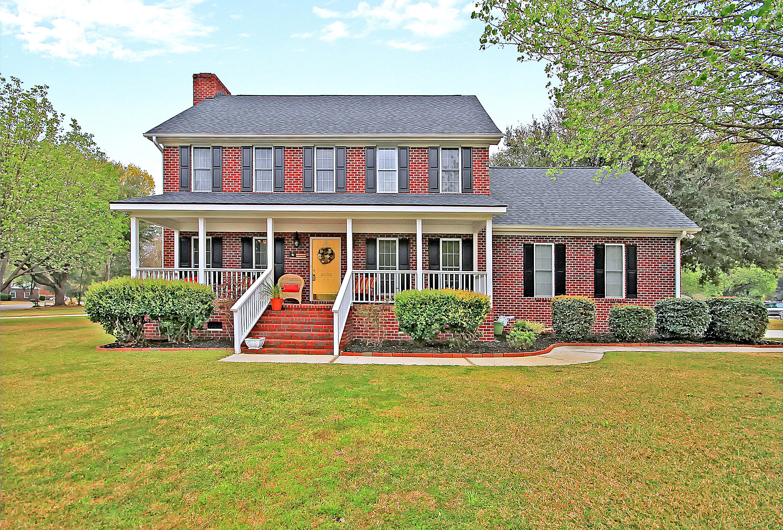 2032 Middleburg Lane Mount Pleasant, SC 29464