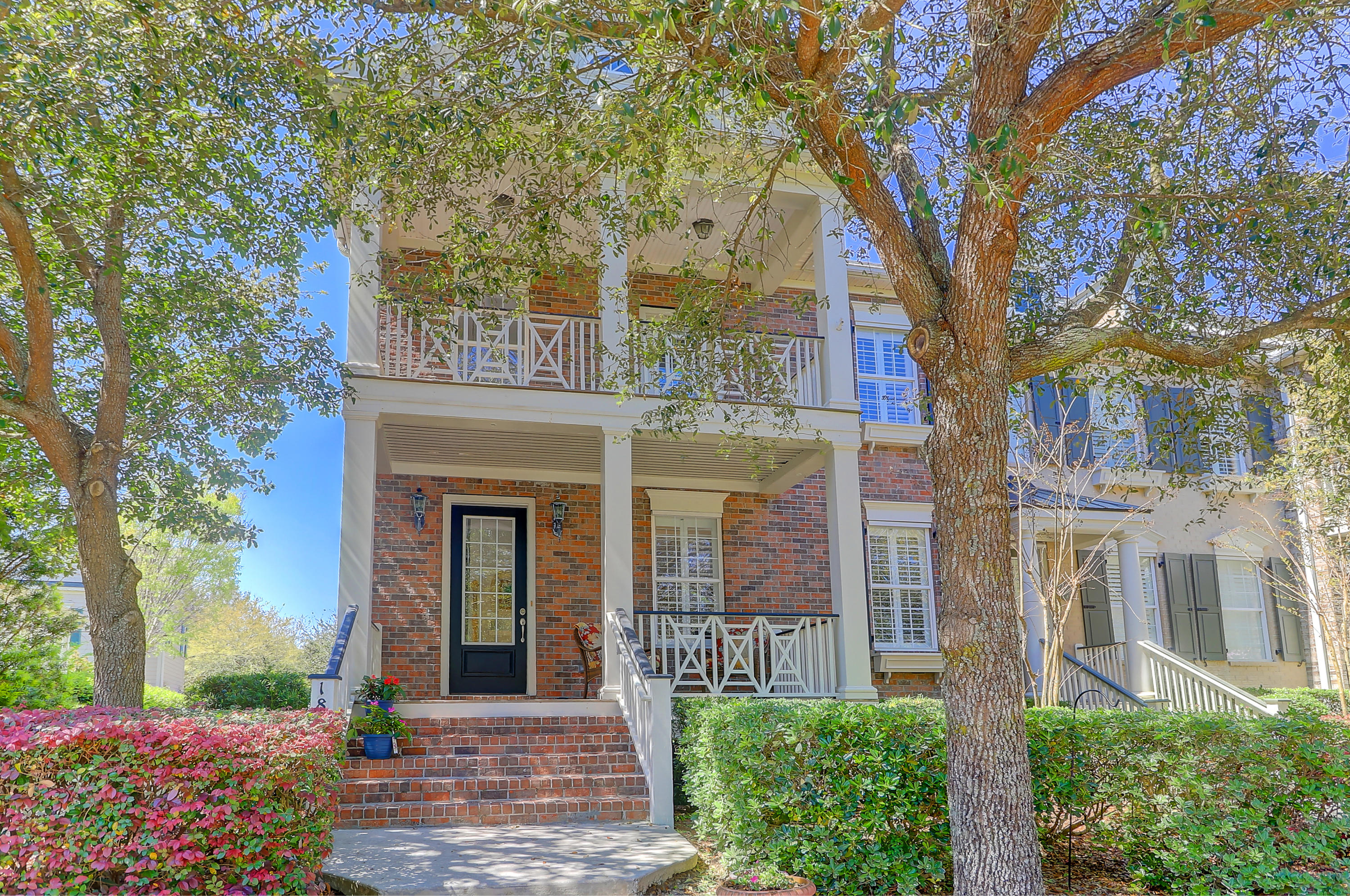 1810 Pierce Street Charleston, SC 29492