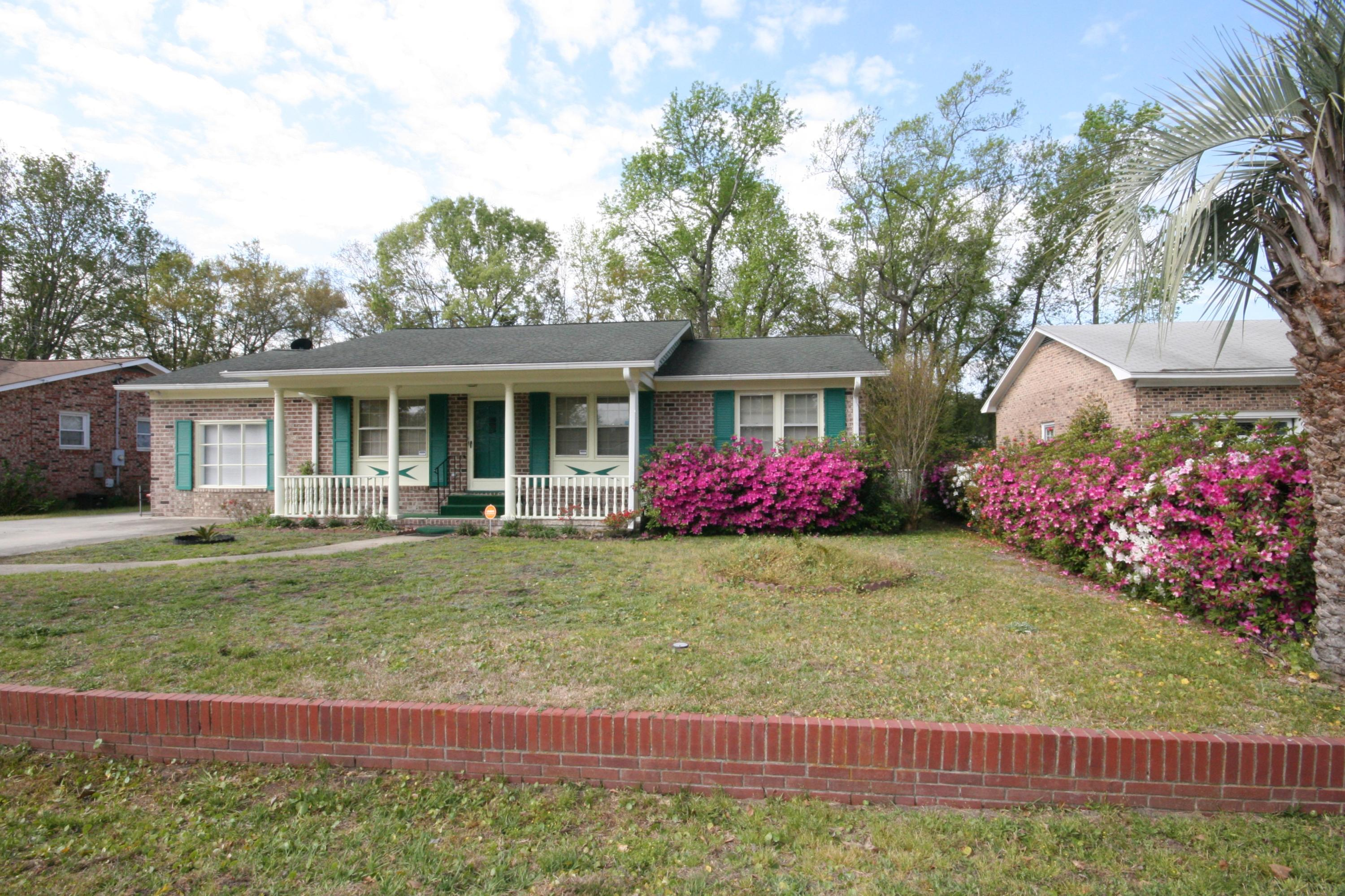 4633 Yardley Drive North Charleston, SC 29405