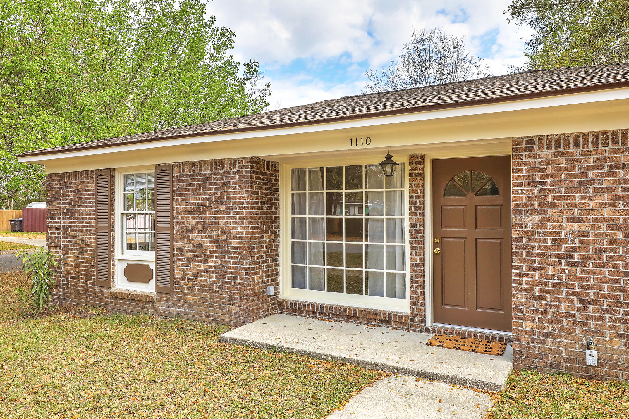1110 N Shadow Drive Mount Pleasant, SC 29464