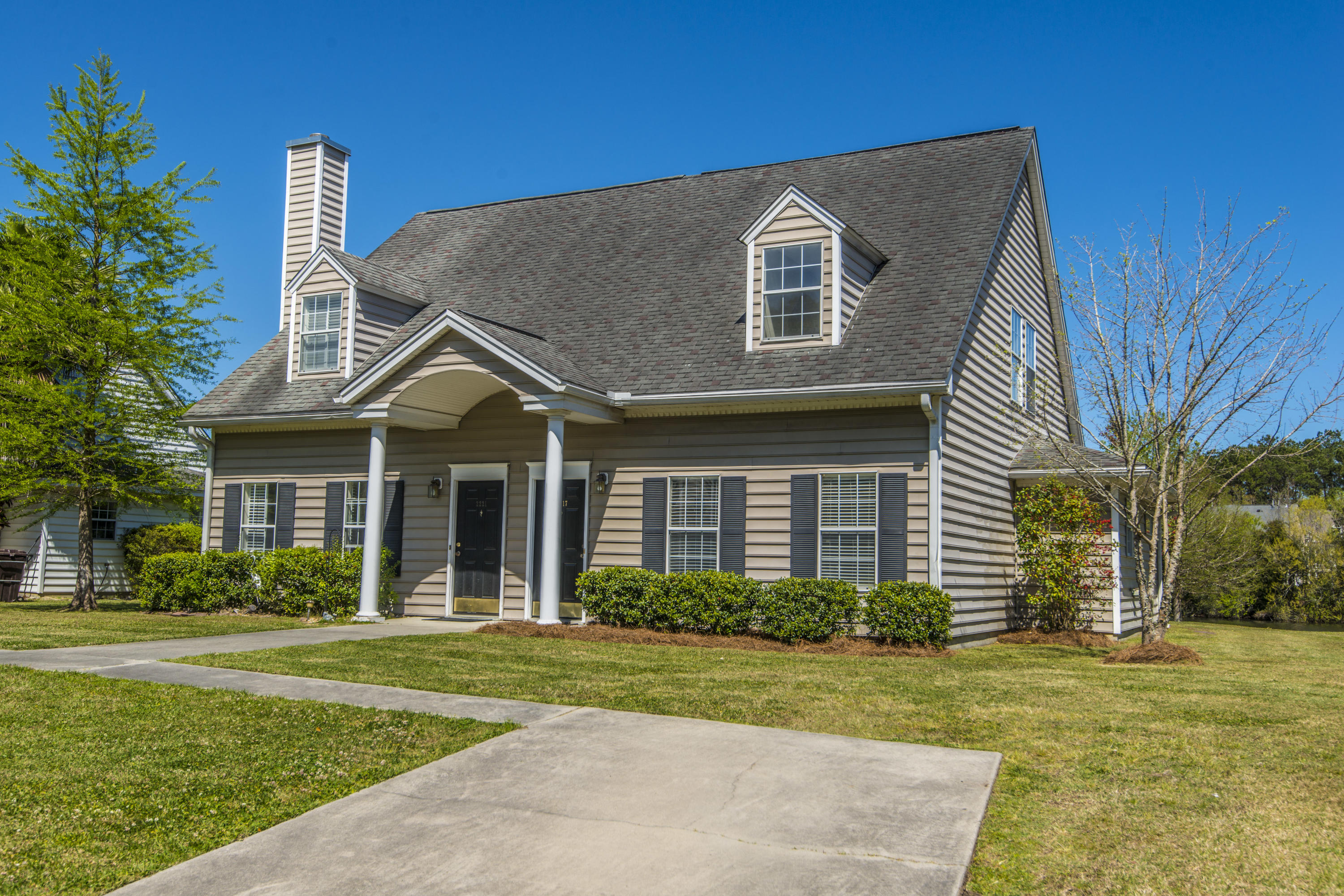 2217 Kings Gate Lane Mount Pleasant, SC 29466