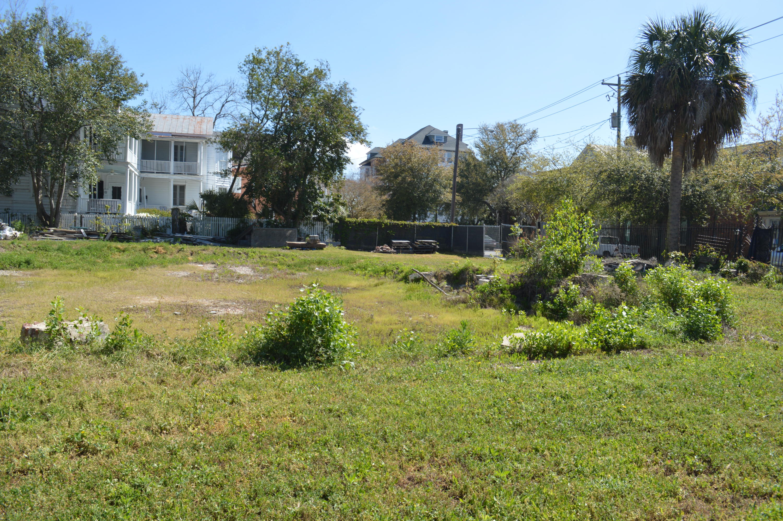 4 Gadsden Street Charleston, SC 29401