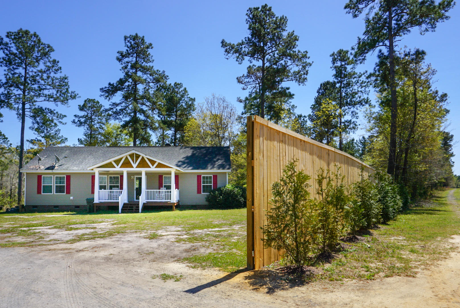 476 Falling Leaves Trail Bonneau, SC 29431