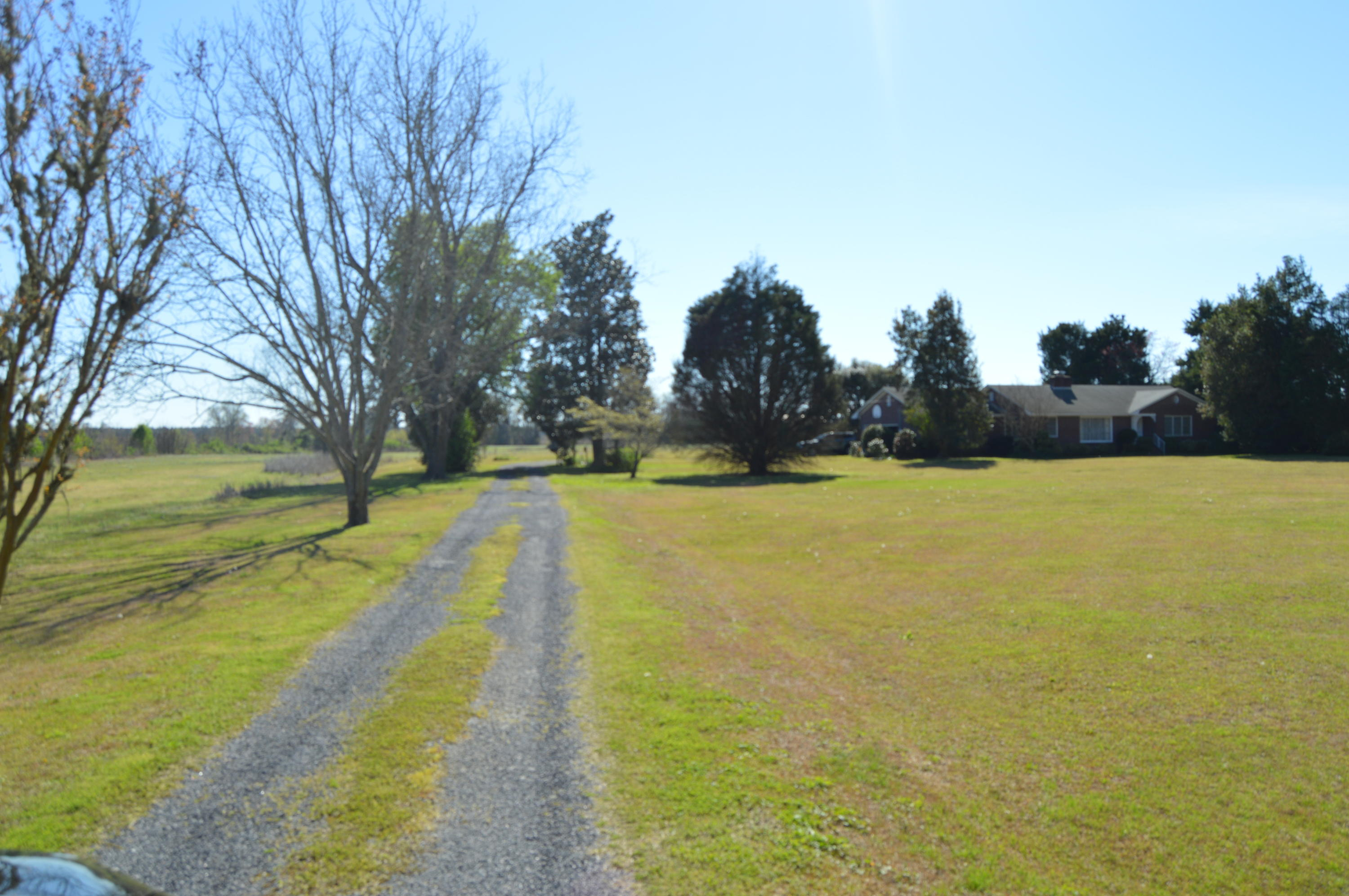 5748 Old State Road Holly Hill, SC 29059