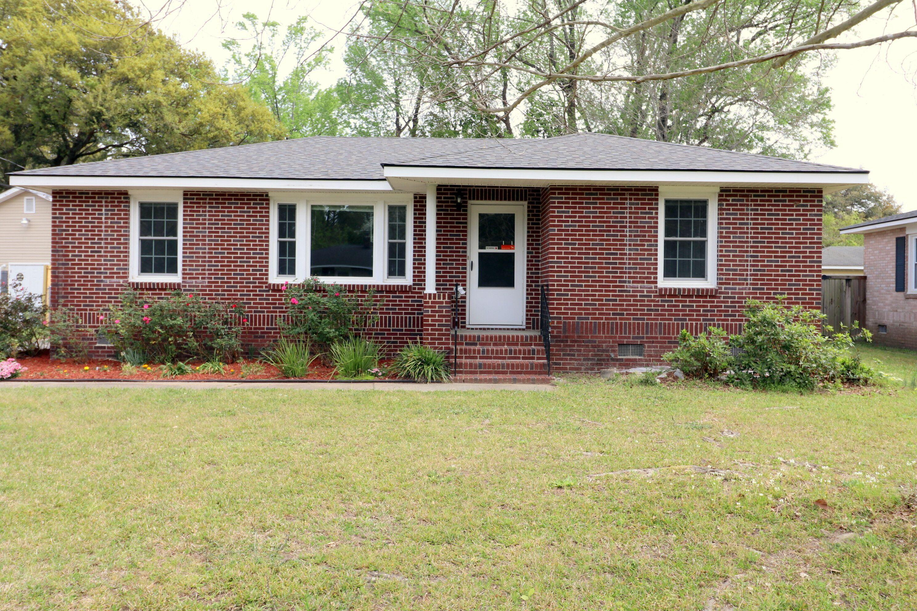 5274 Potomac Street North Charleston, SC 29405