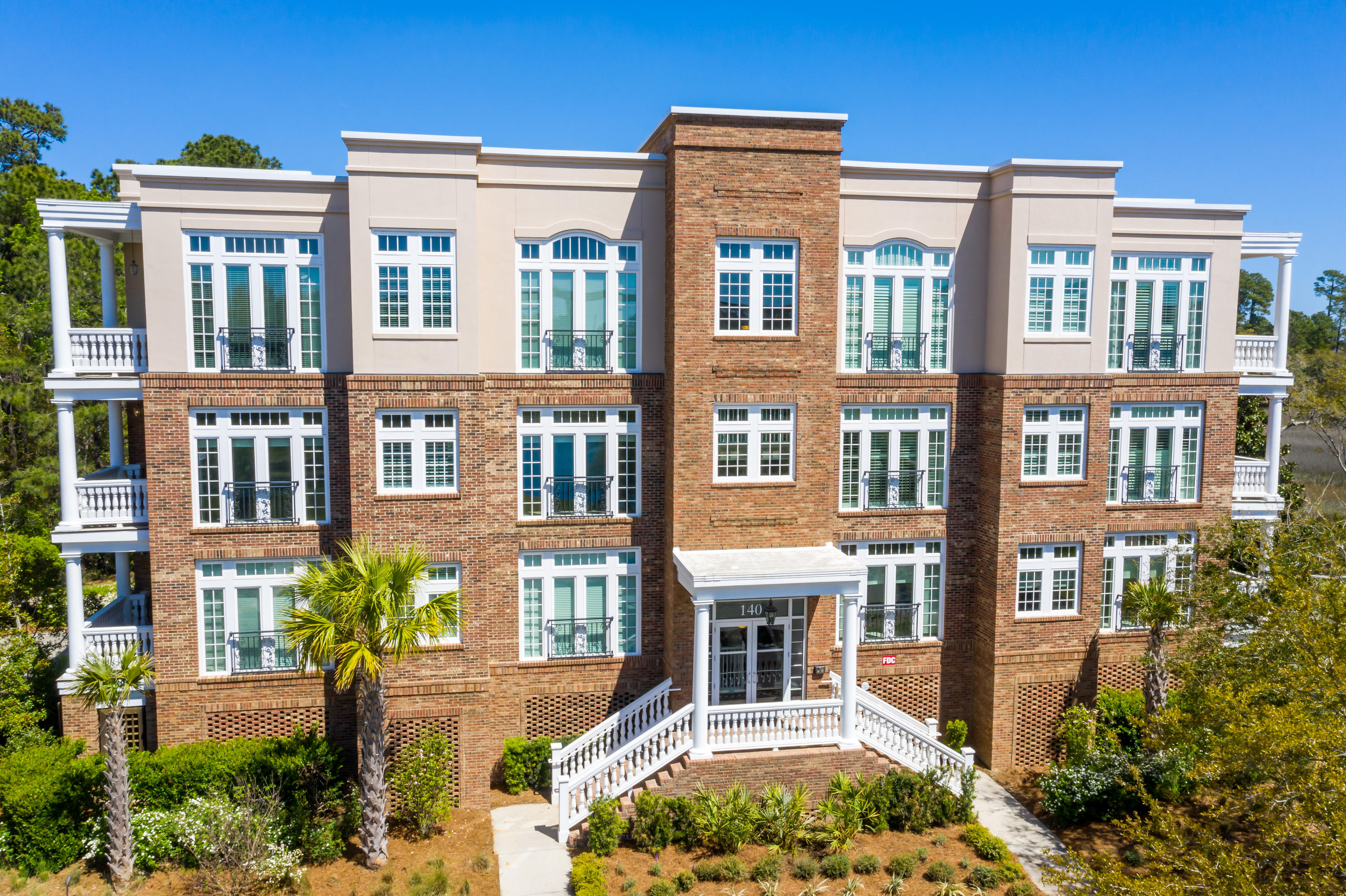 140 Fairbanks Oak Alley Charleston, SC 29492