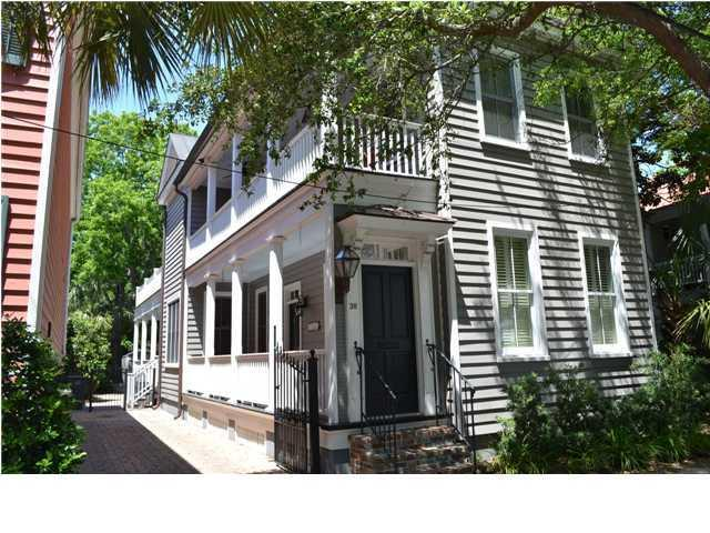 38 Warren Street Charleston, SC 29401
