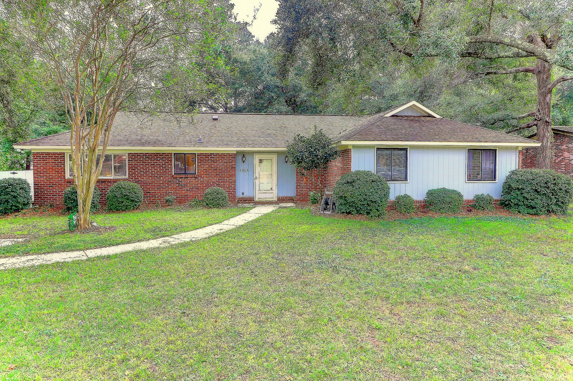 1325 Fort Johnson Road Charleston, SC 29412