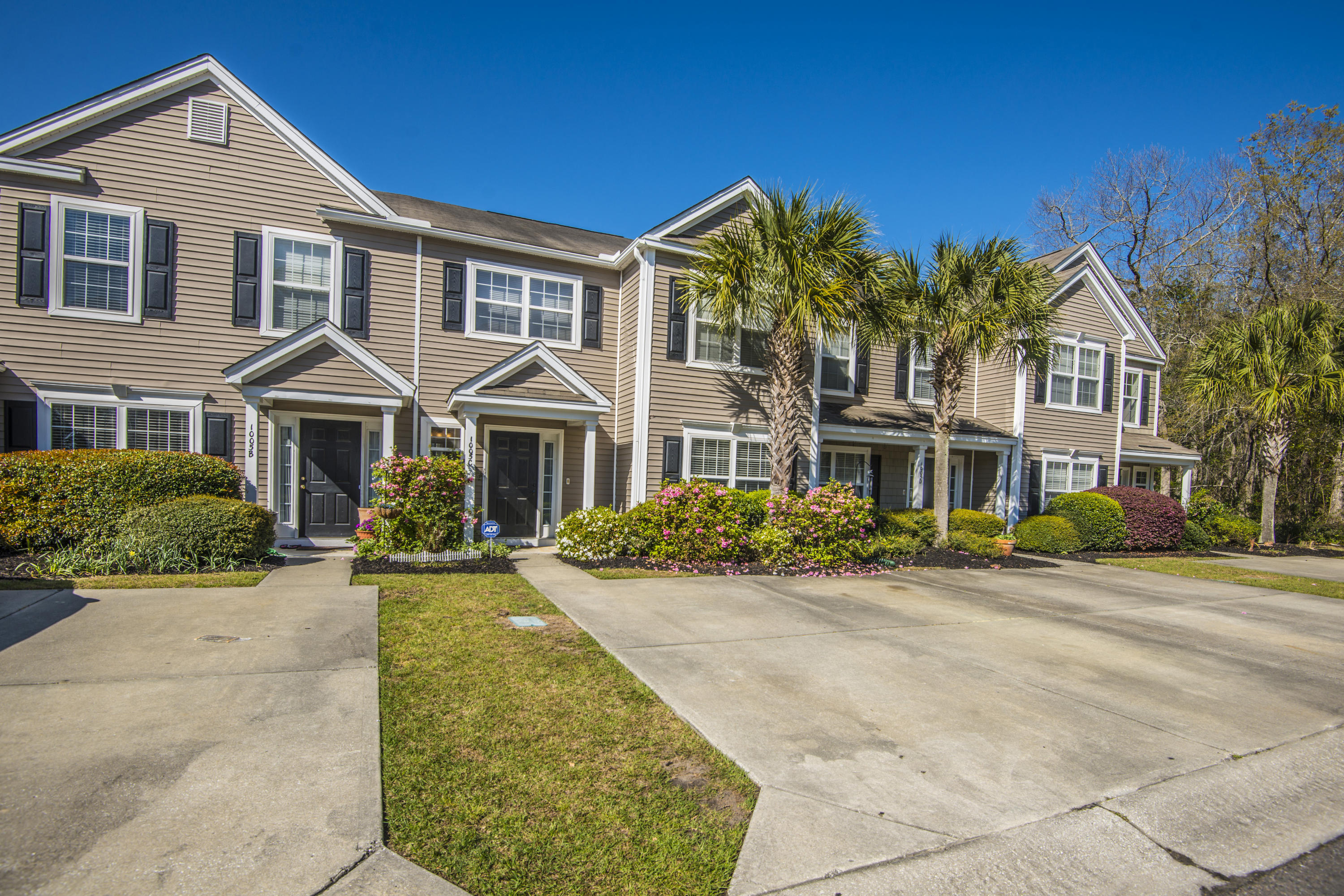 1005 Washitonia Way Charleston, SC 29492