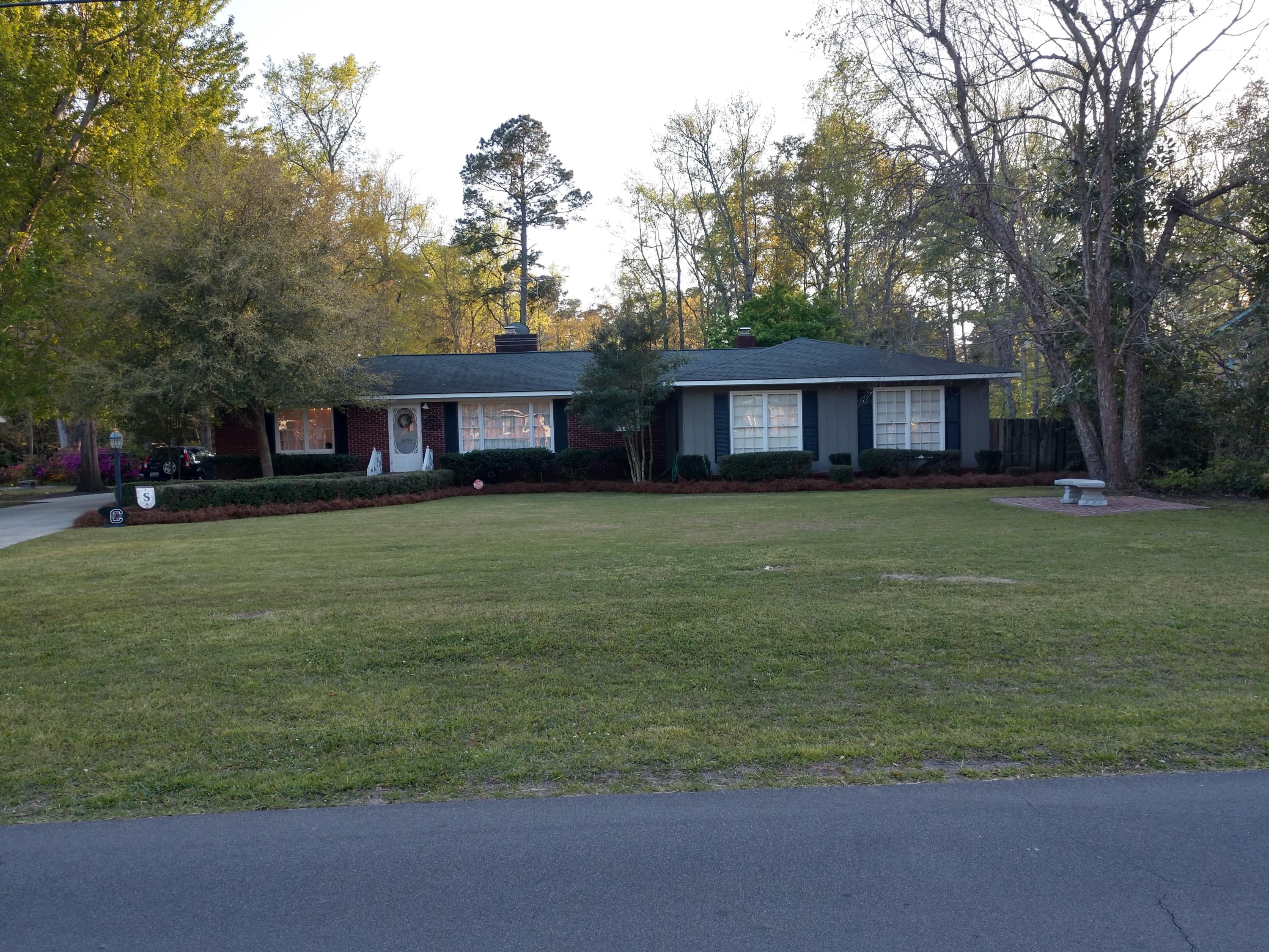 1433 Bennett Circle Holly Hill, SC 29059