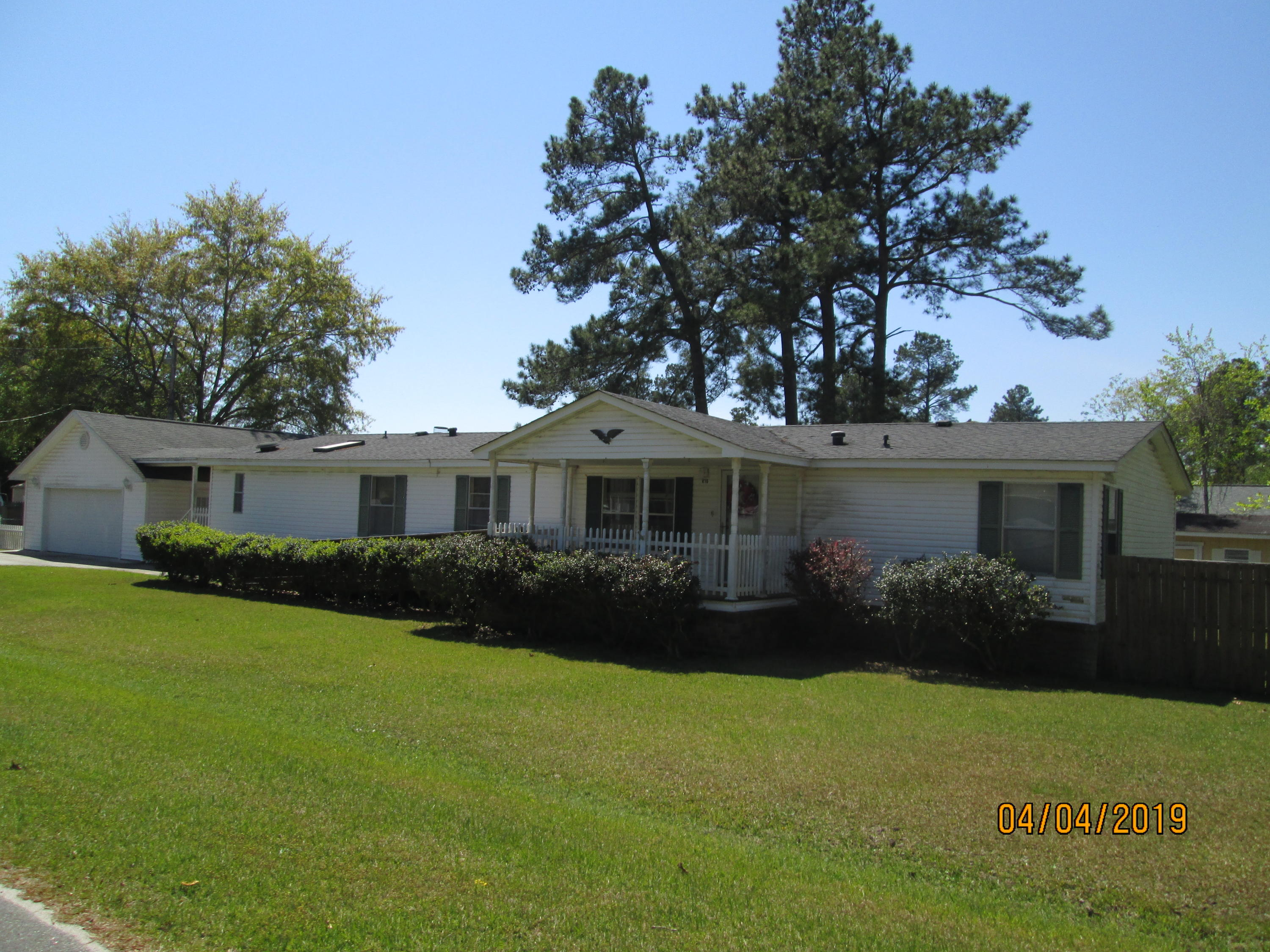 416 Lake Moultrie Drive Bonneau, SC 29431