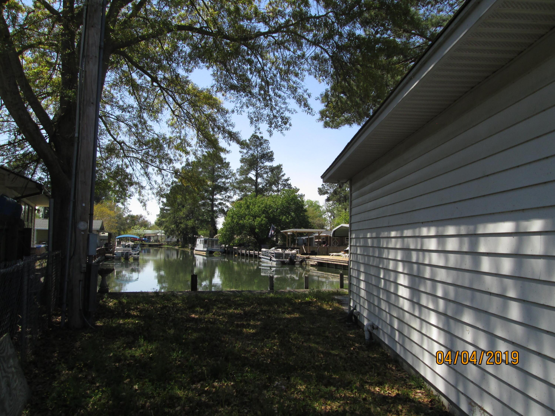 416 Lake Moultrie Drive, Bonneau, SC 29431 - Charleston