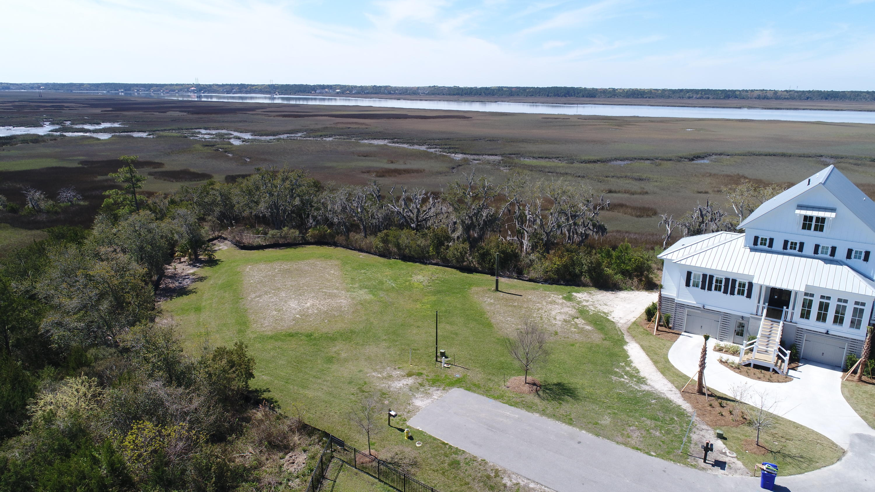 621 Stono Shores Point Charleston, SC 29412