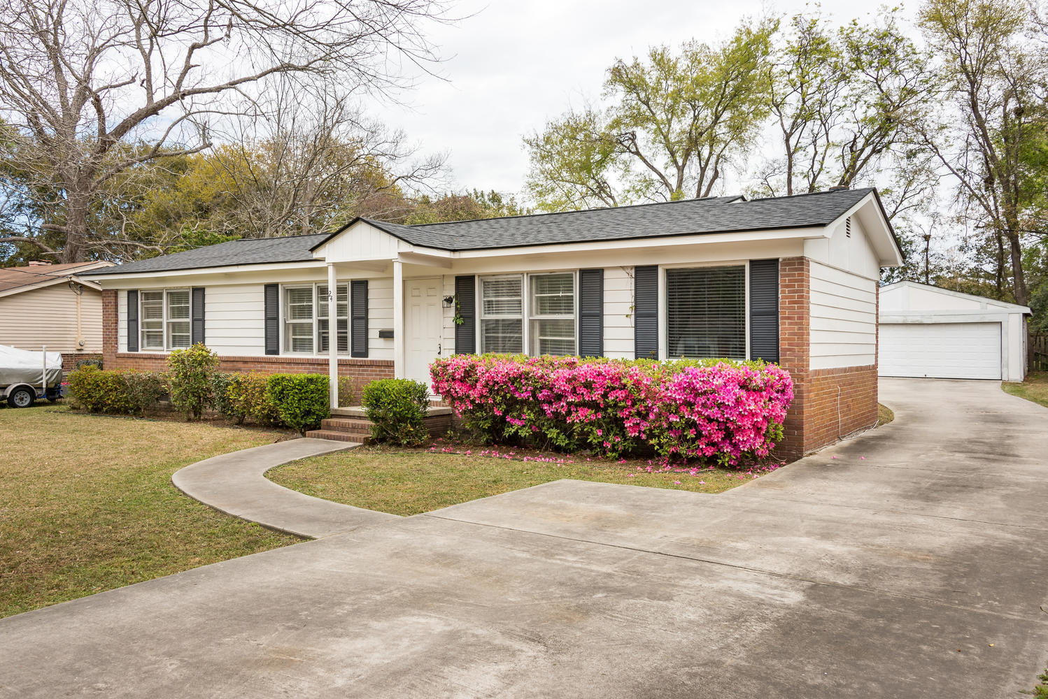 24 Vincent Drive Mount Pleasant, SC 29464
